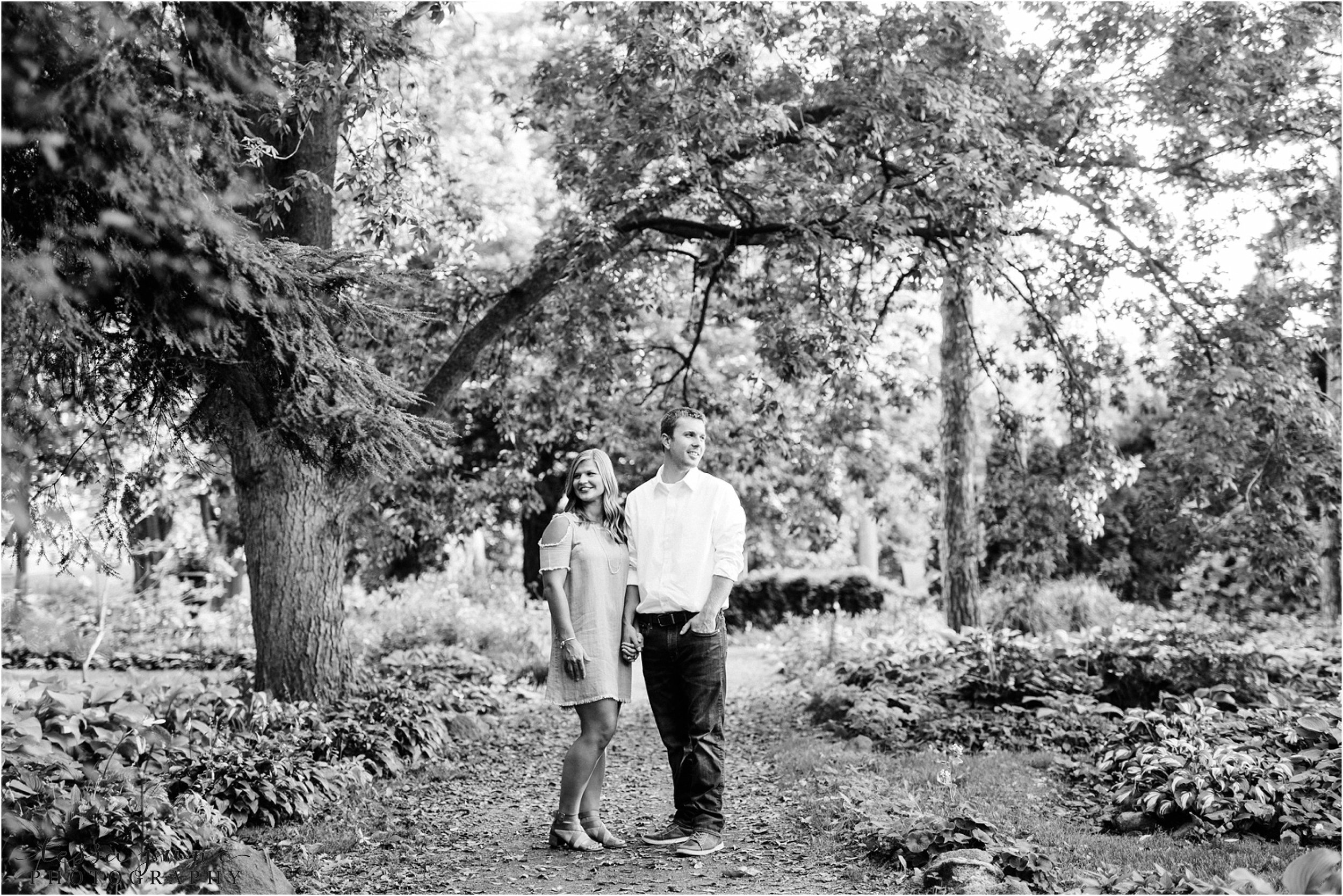 st-cloud-wedding-photographer-tessa-june-photography-munsinger-garden-engagement-14.jpg