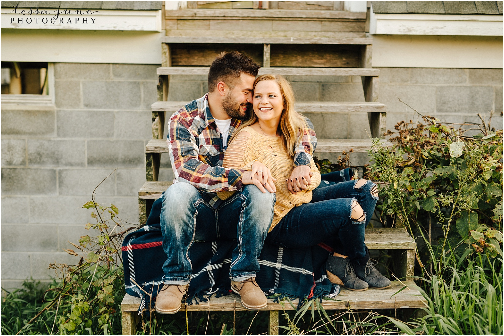 st-cloud-wedding-photographer-at-old-building