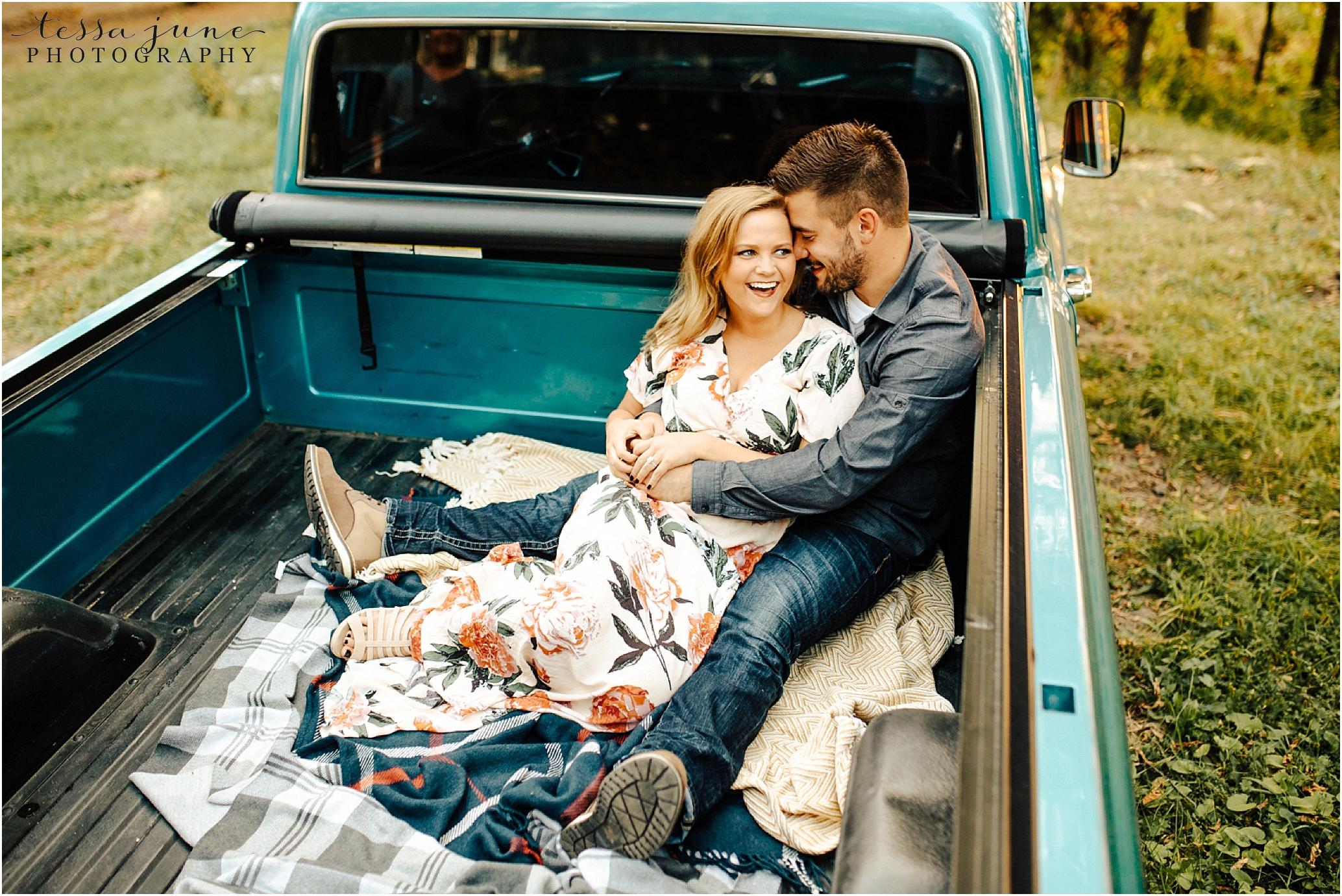 st-cloud-wedding-photographer-vintage-truck