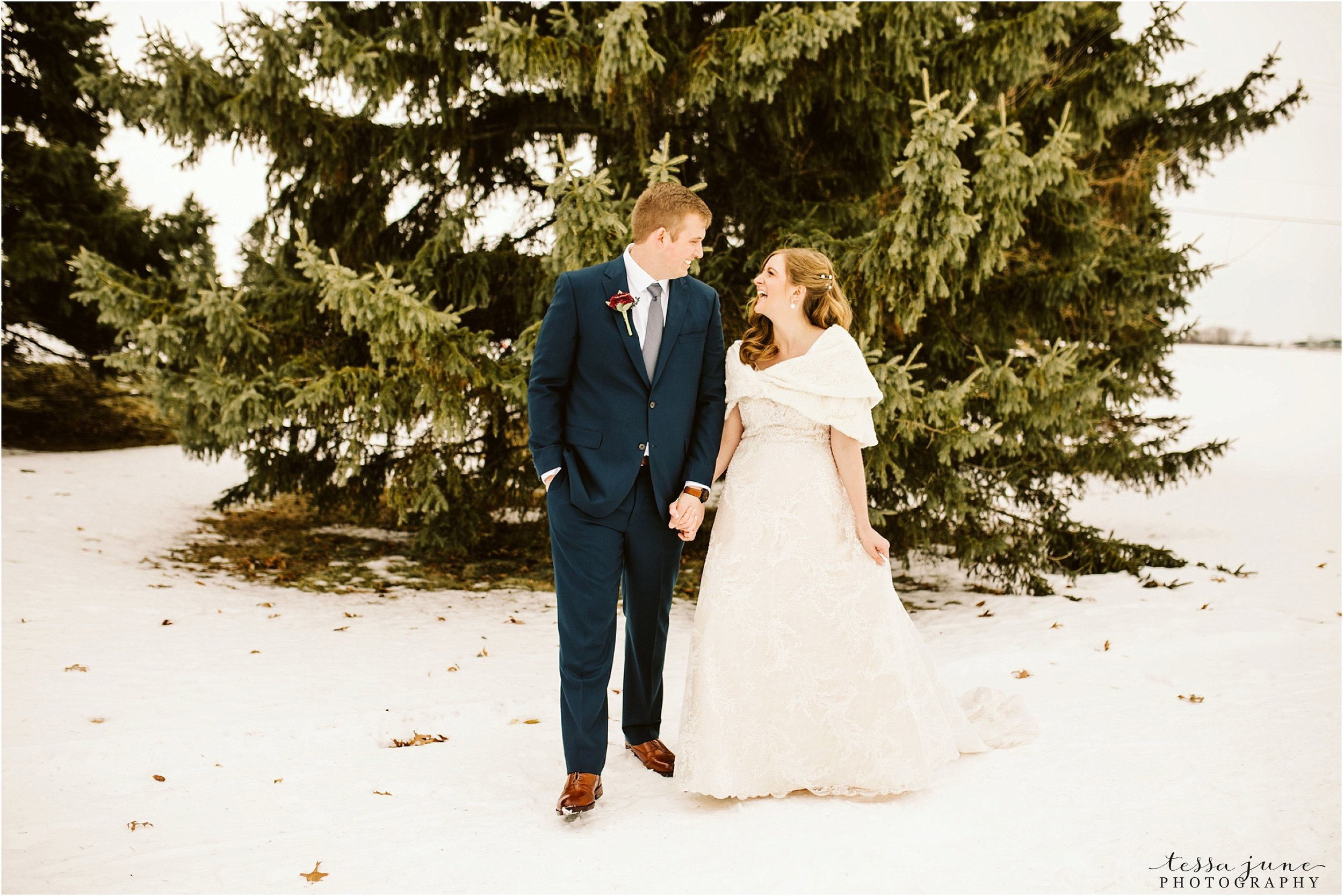 winter-wedding-in-eden-prairie-barn-minnesota-airplane-94.jpg