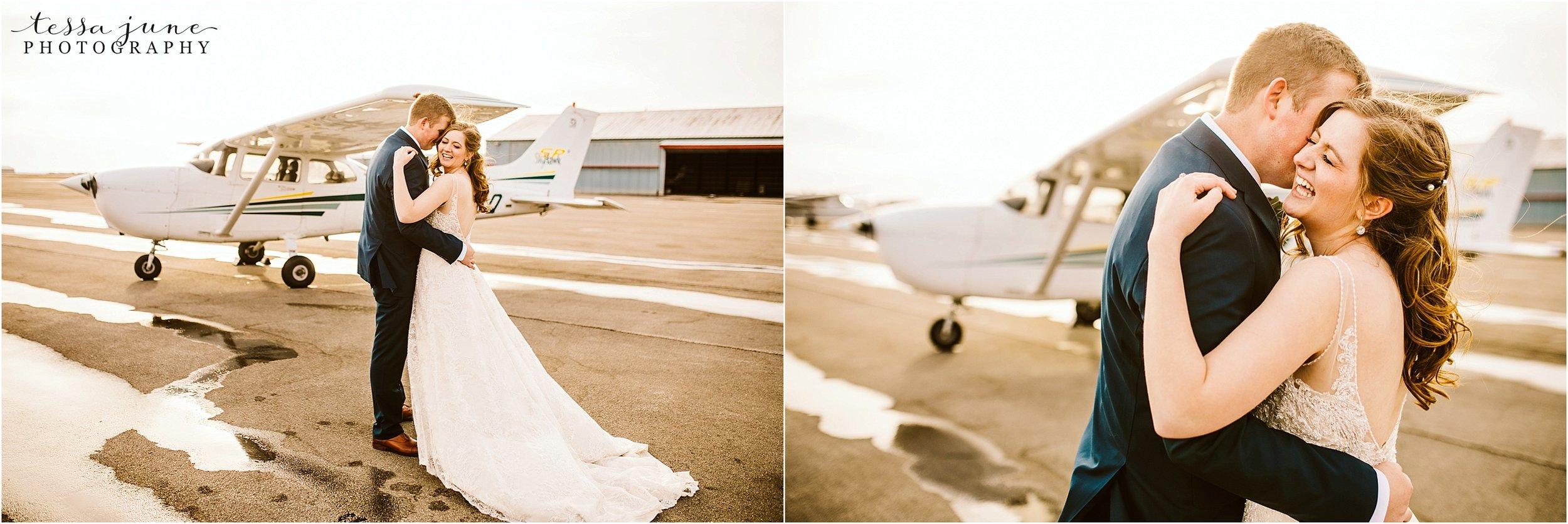winter-wedding-in-eden-prairie-barn-minnesota-airplane-114.jpg