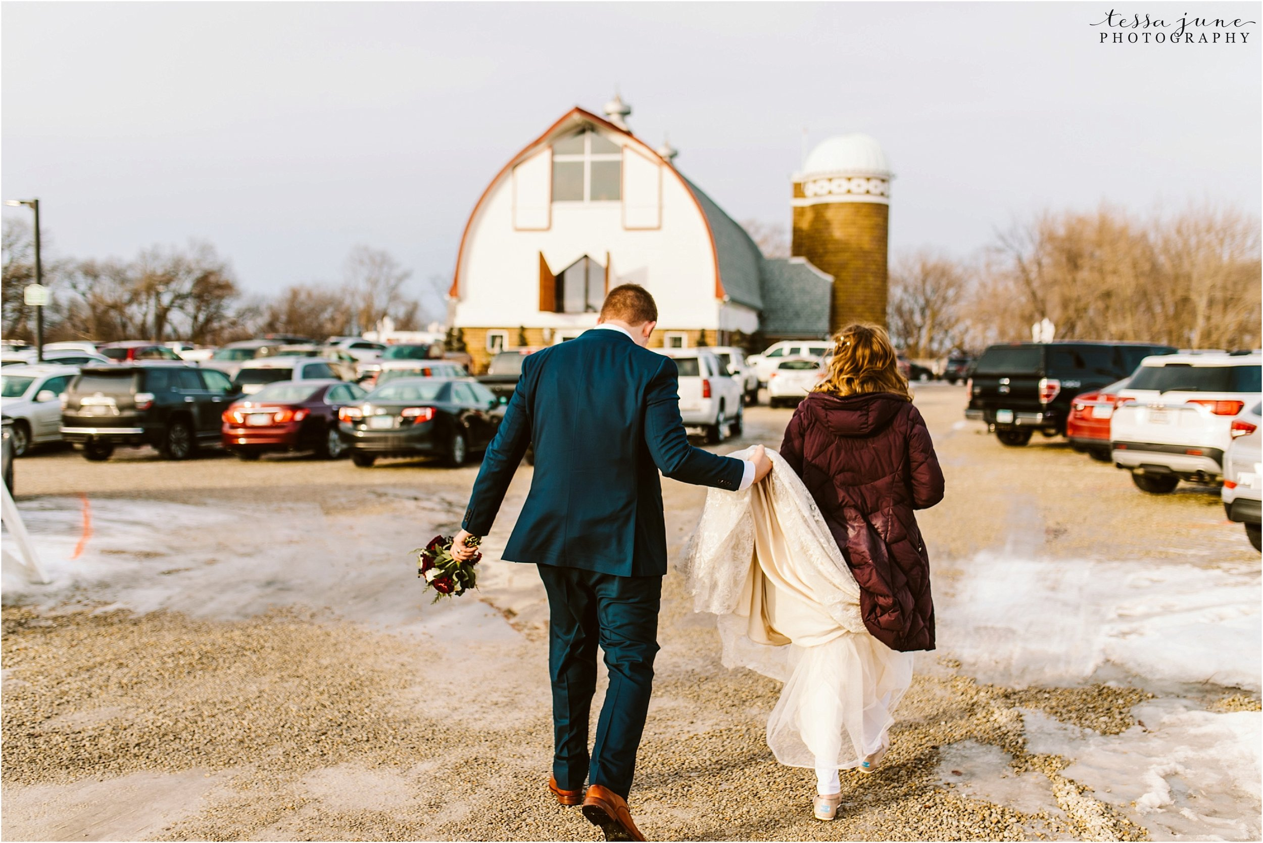 winter-wedding-in-eden-prairie-barn-minnesota-airplane-124.jpg
