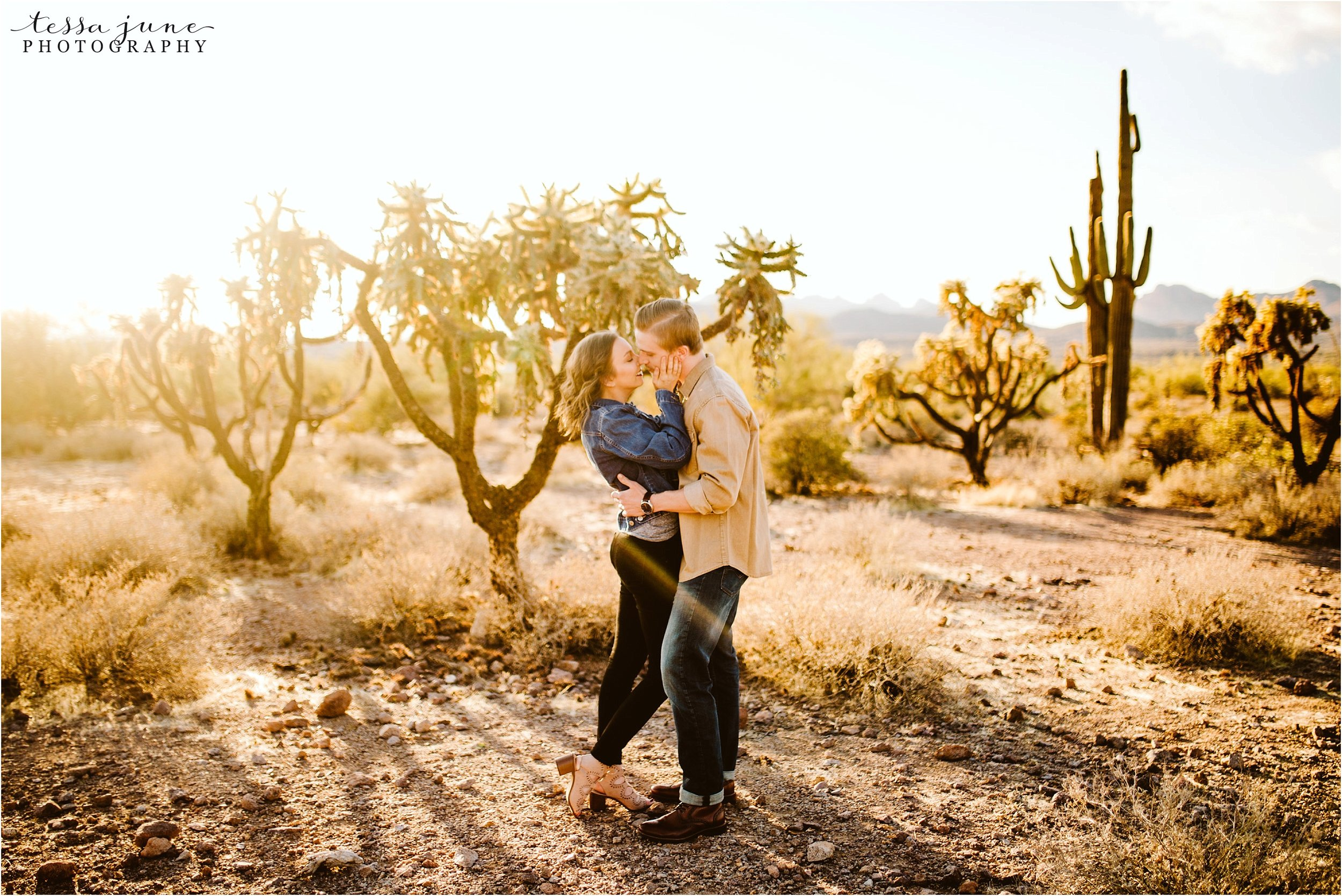 lost-dutchman-state-park-engagement-arizona-destination-photographer-phoenix-4.jpg