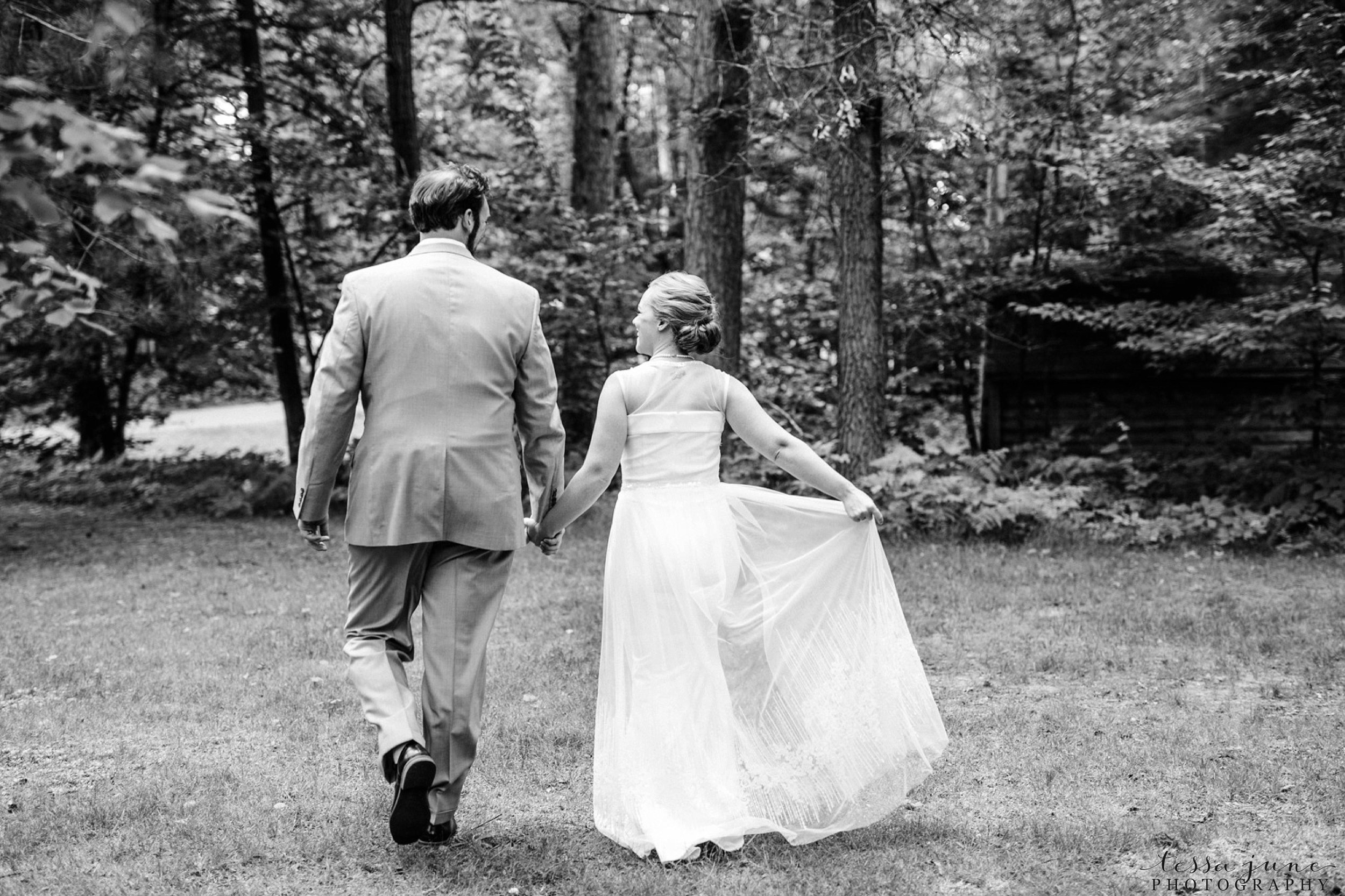 grandview-lodge-intimate-wedding-nisswa-minnesota_0022.jpg