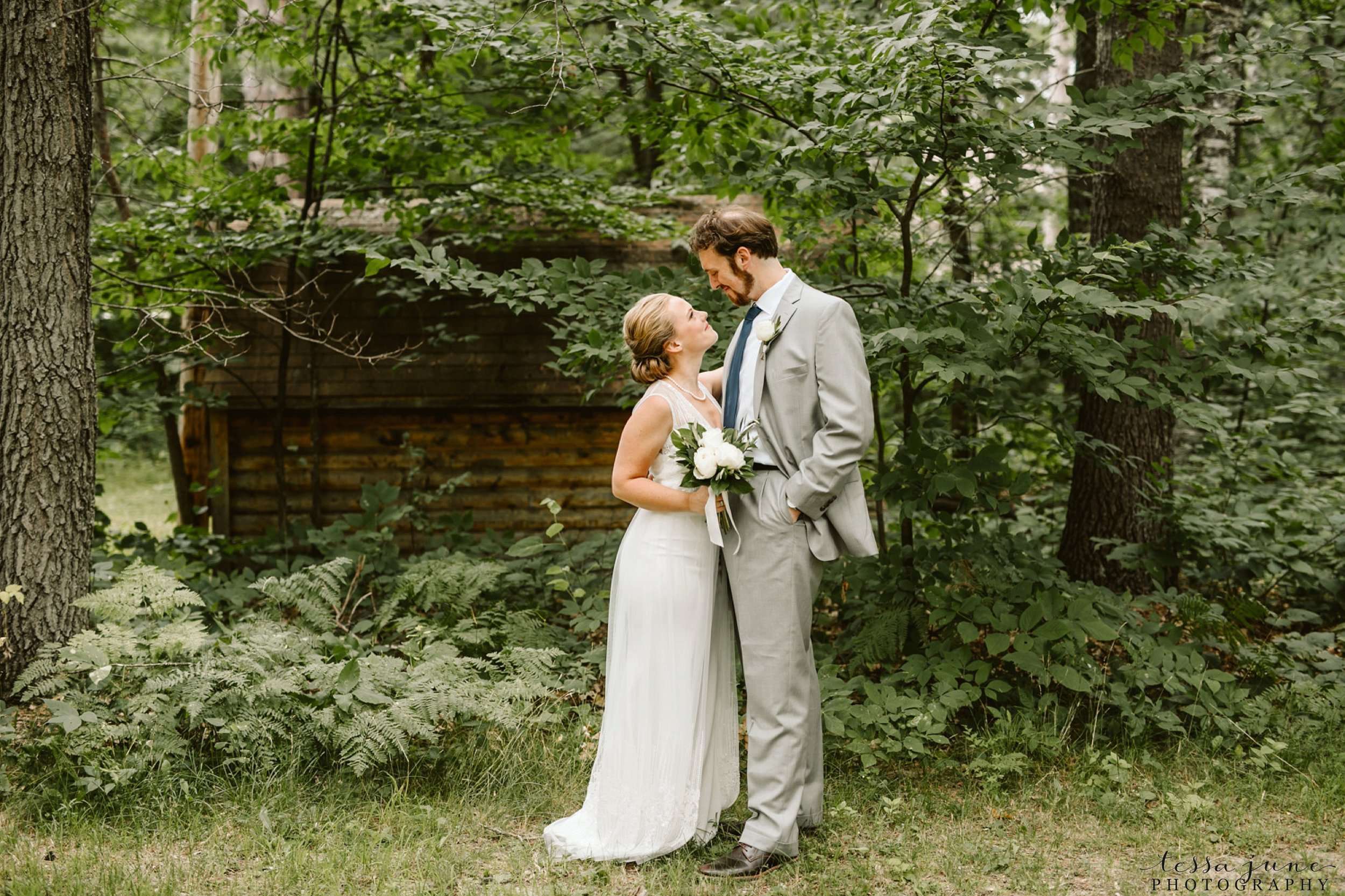 grandview-lodge-intimate-wedding-nisswa-minnesota_0026.jpg