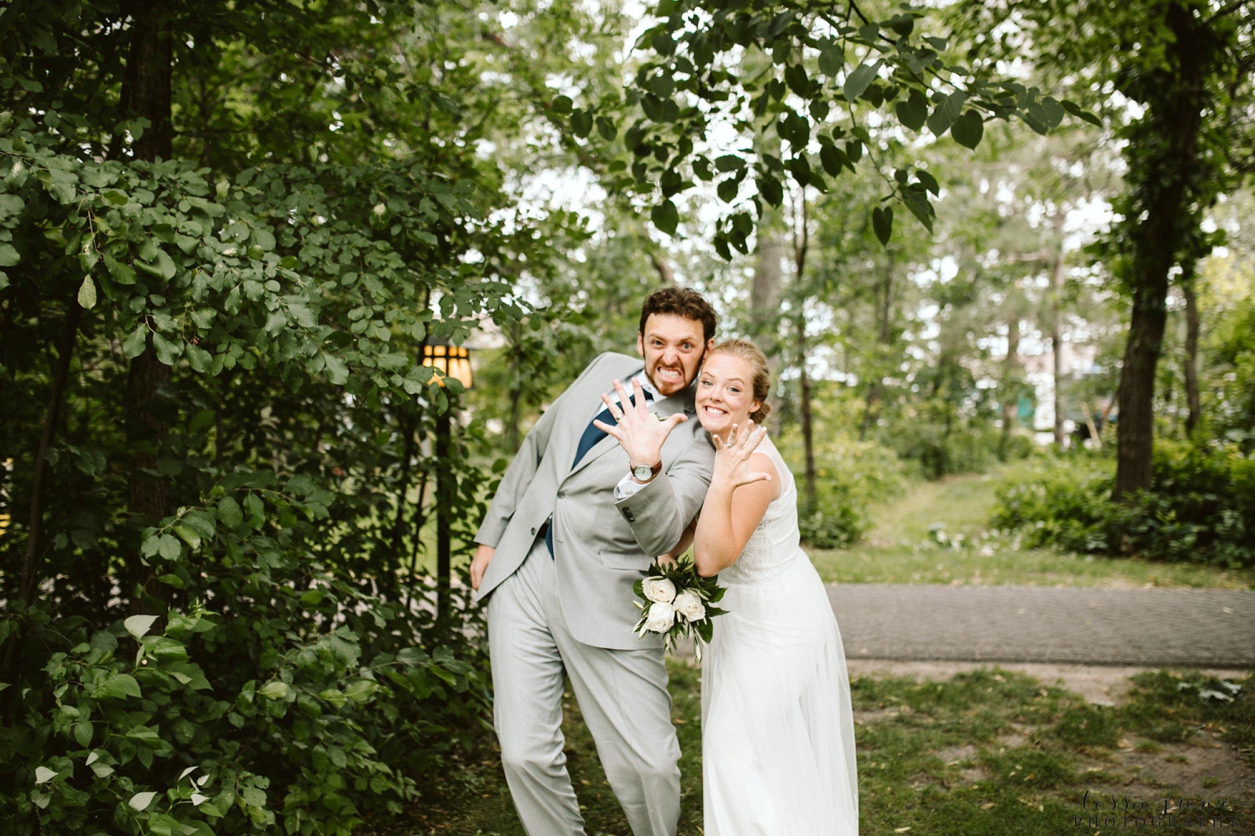 grandview-lodge-intimate-wedding-nisswa-minnesota_0041.jpg