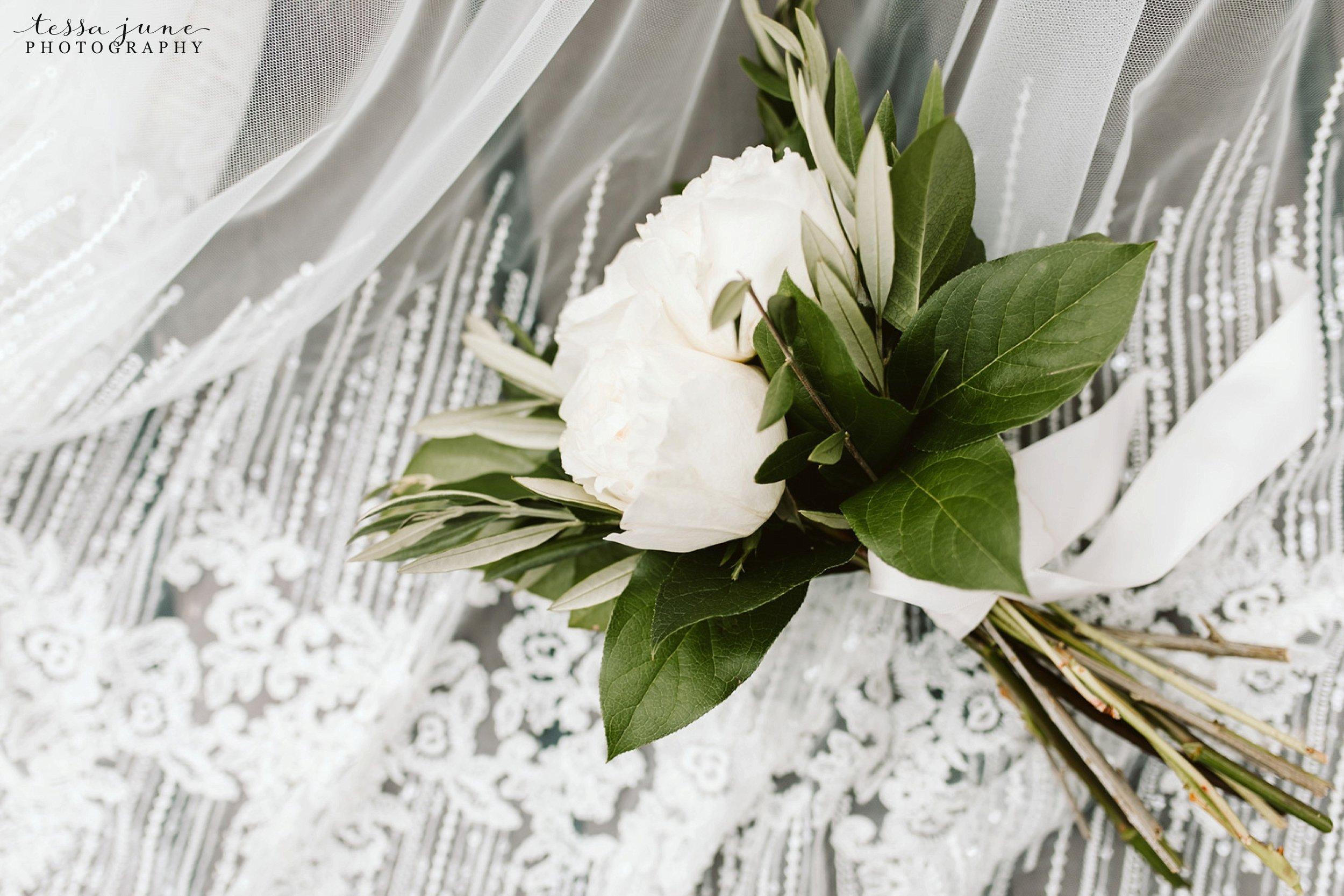 grandview-lodge-intimate-wedding-nisswa-minnesota_0042.jpg