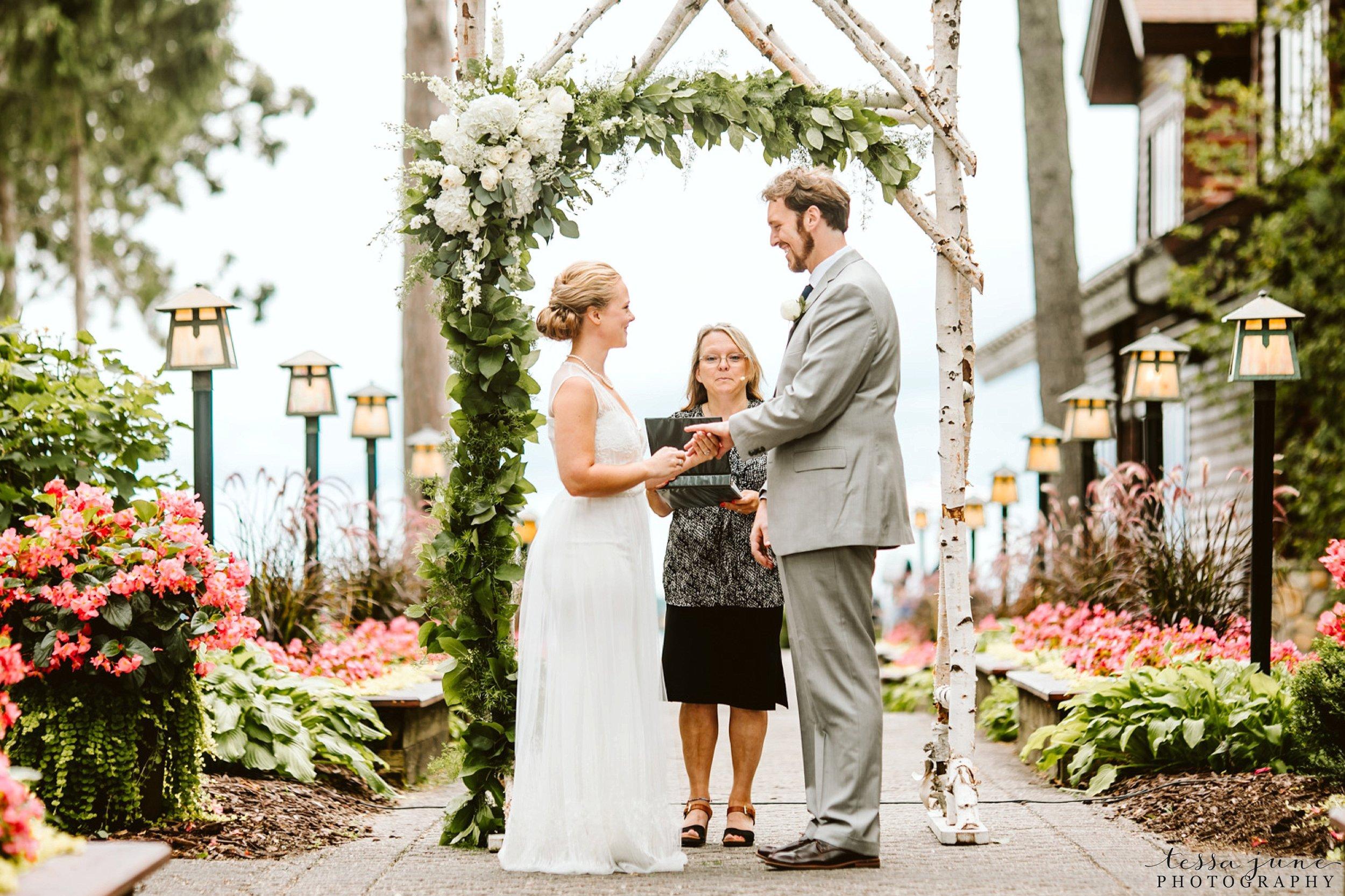 grandview-lodge-intimate-wedding-nisswa-minnesota_0057.jpg