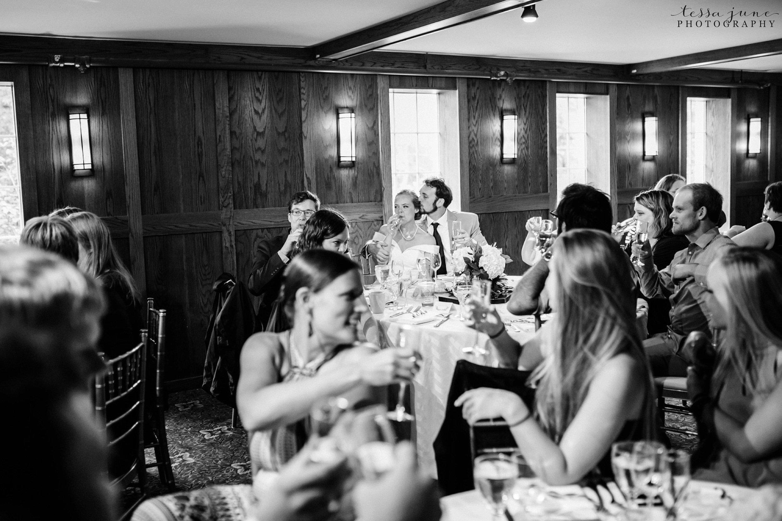 grandview-lodge-intimate-wedding-nisswa-minnesota_0096.jpg