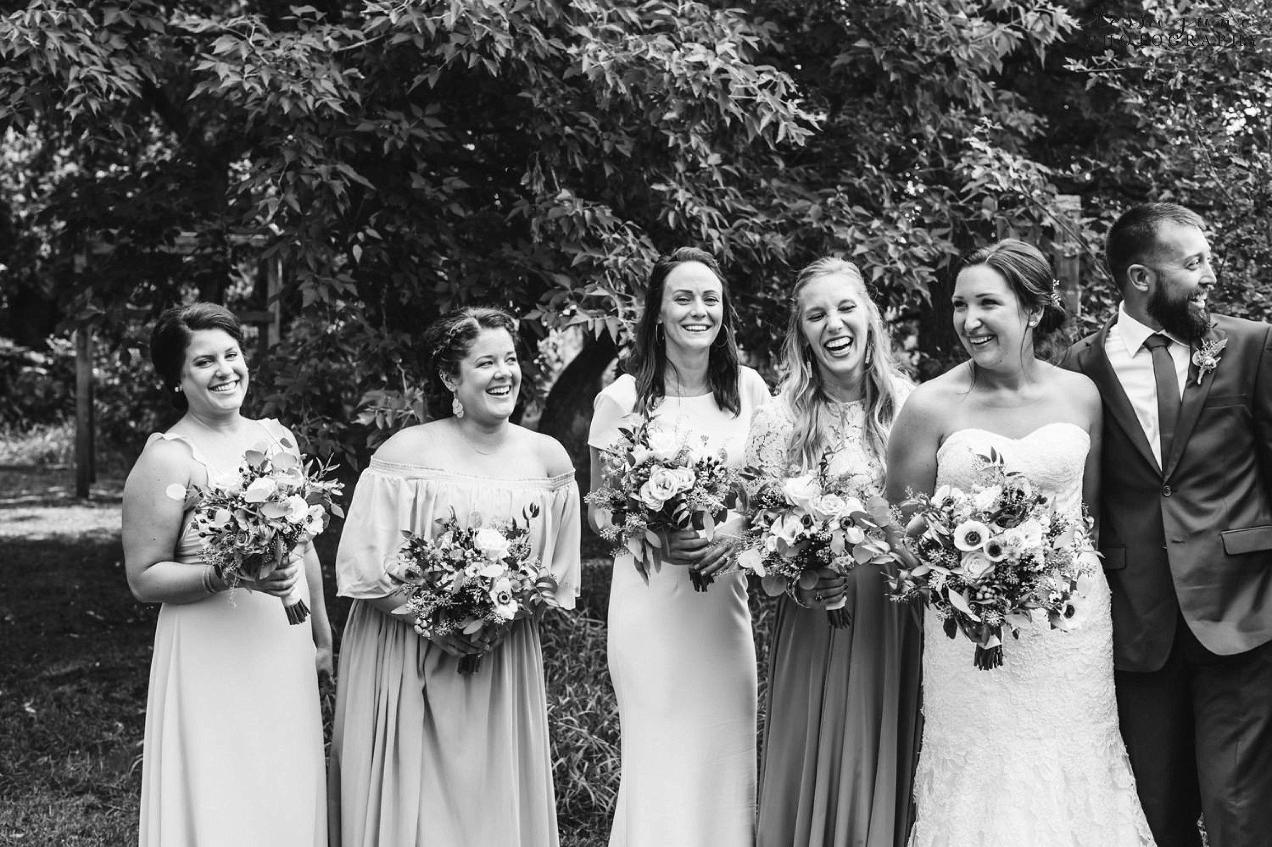 gathered-oaks-barn-wedding-alexandria-minnesota-2.jpg