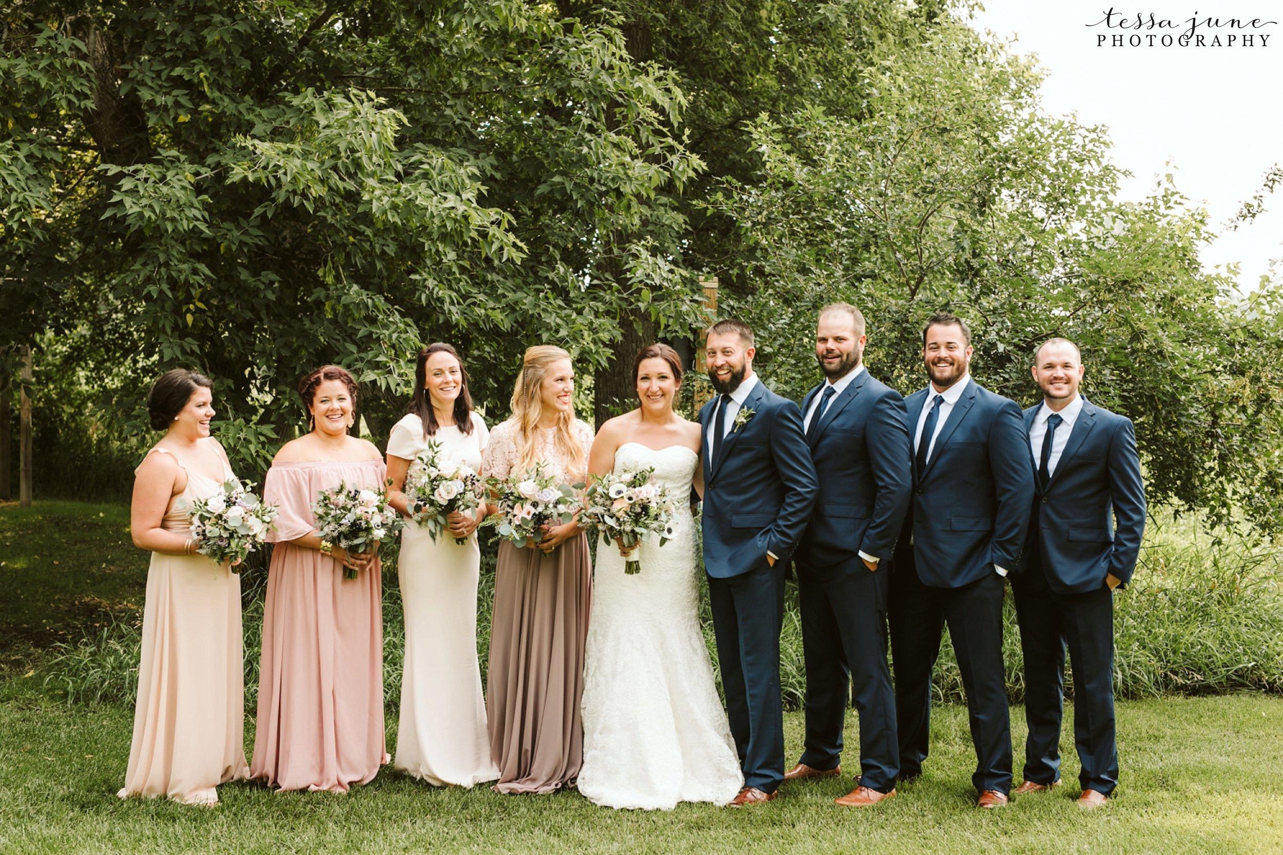 gathered-oaks-barn-wedding-alexandria-minnesota-1.jpg