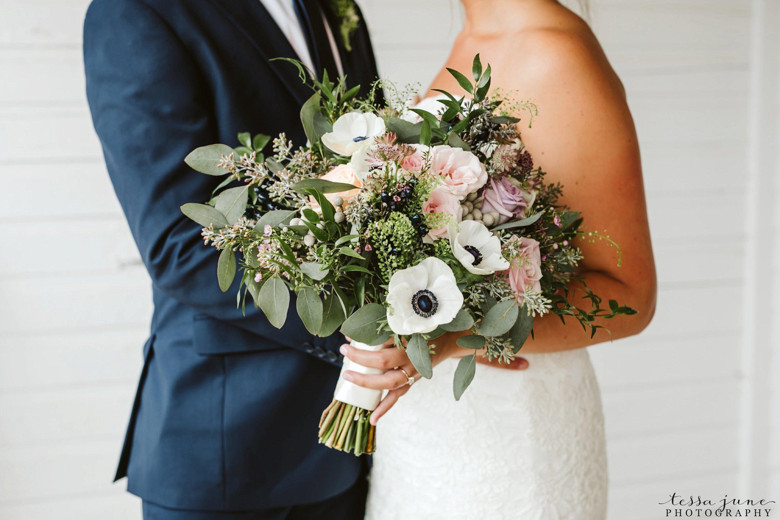 gathered-oaks-barn-wedding-alexandria-minnesota-27.jpg
