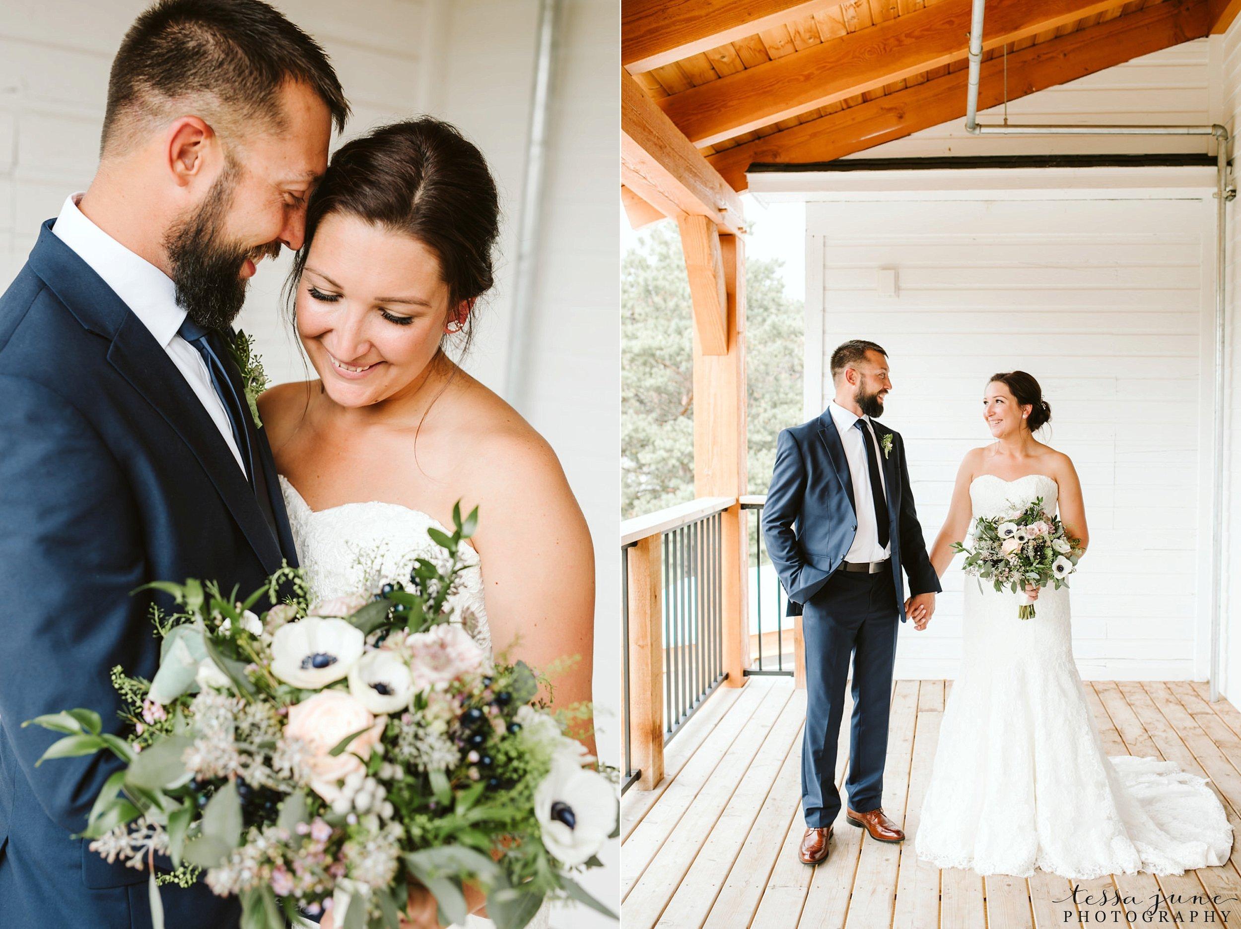 gathered-oaks-barn-wedding-alexandria-minnesota-28.jpg