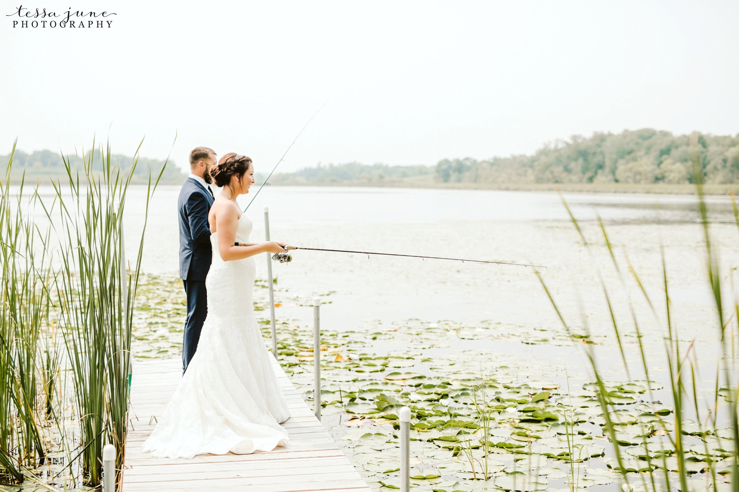 gathered-oaks-barn-wedding-alexandria-minnesota-49.jpg