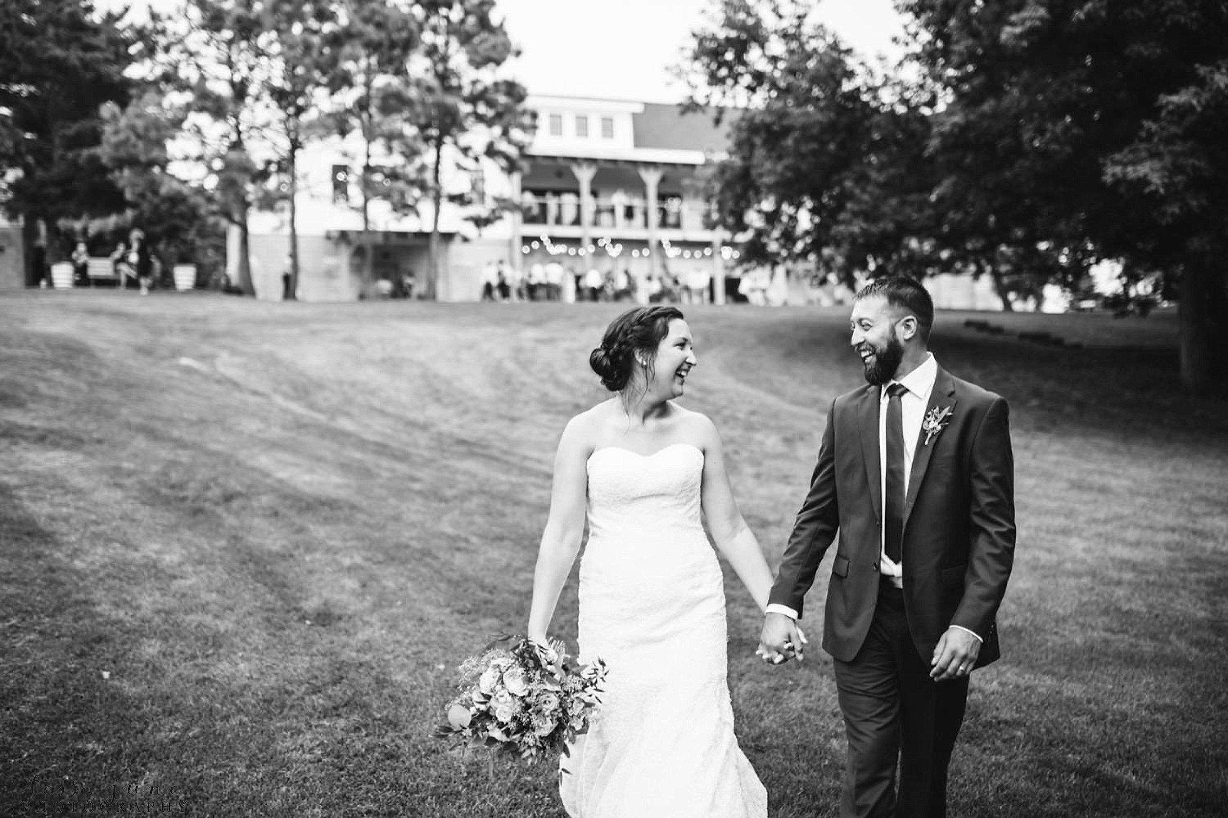 gathered-oaks-barn-wedding-alexandria-minnesota-55.jpg