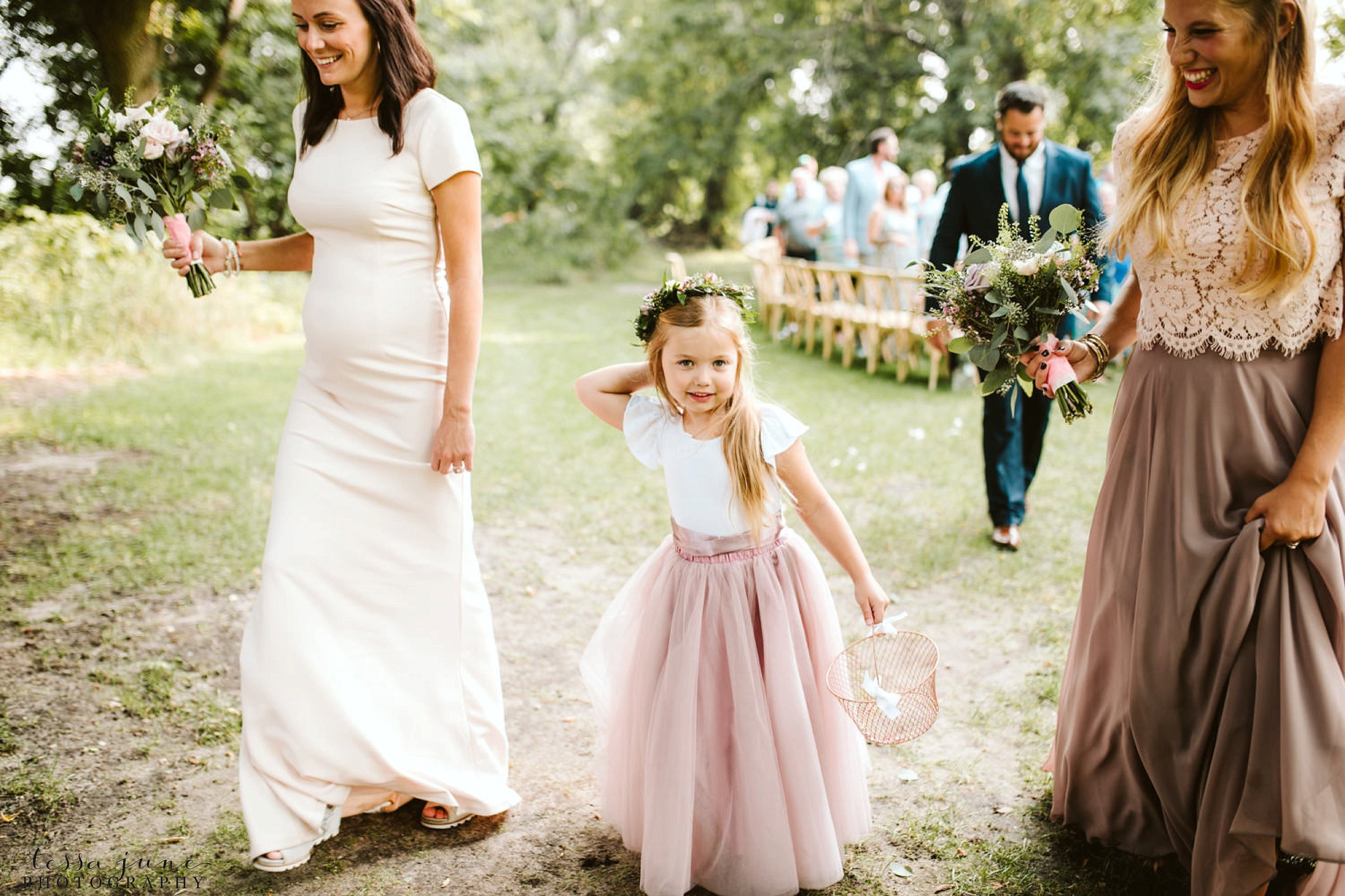gathered-oaks-barn-wedding-alexandria-minnesota-76.jpg