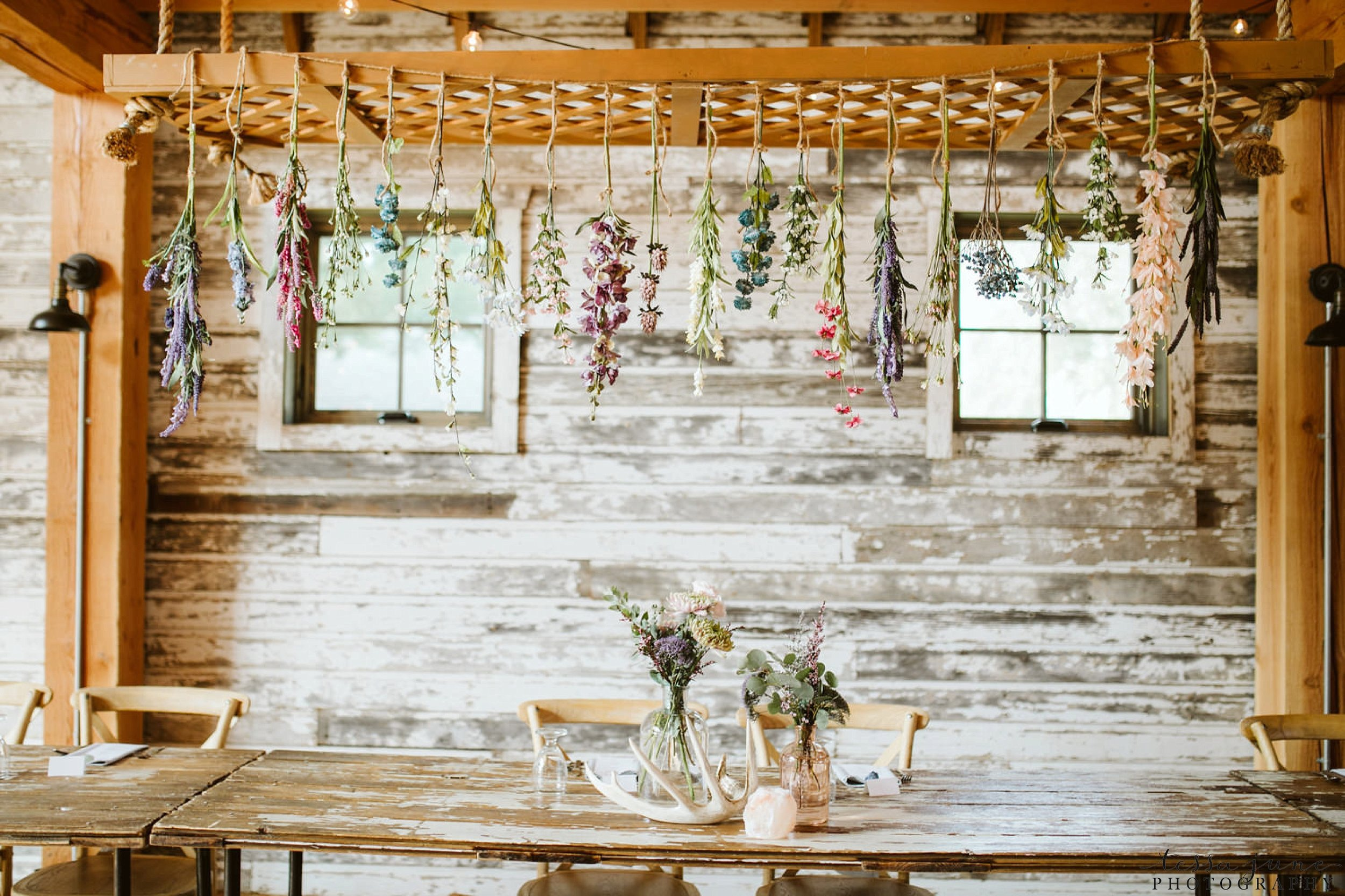 gathered-oaks-barn-wedding-alexandria-minnesota-129.jpg