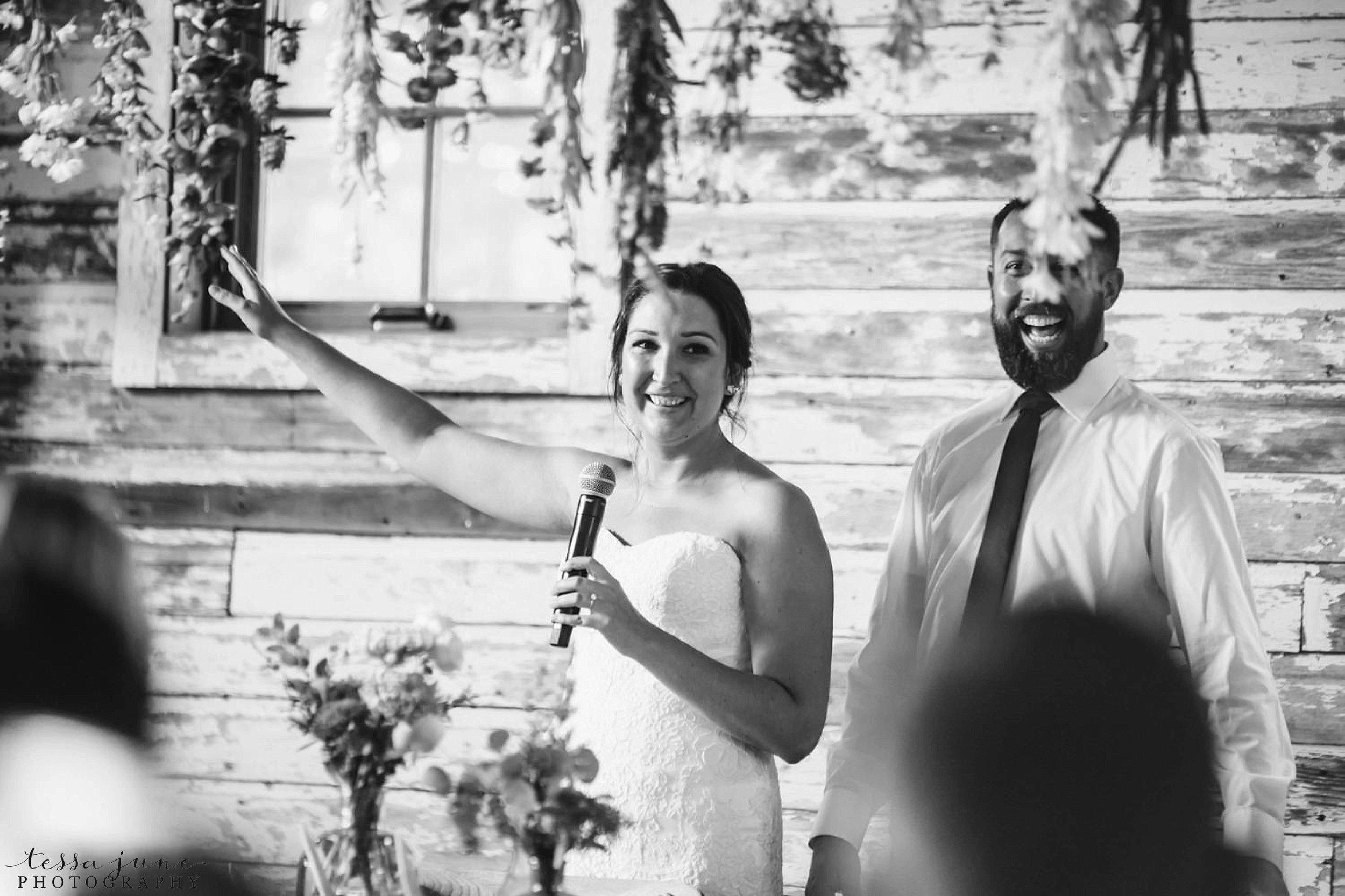 gathered-oaks-barn-wedding-alexandria-minnesota-172.jpg