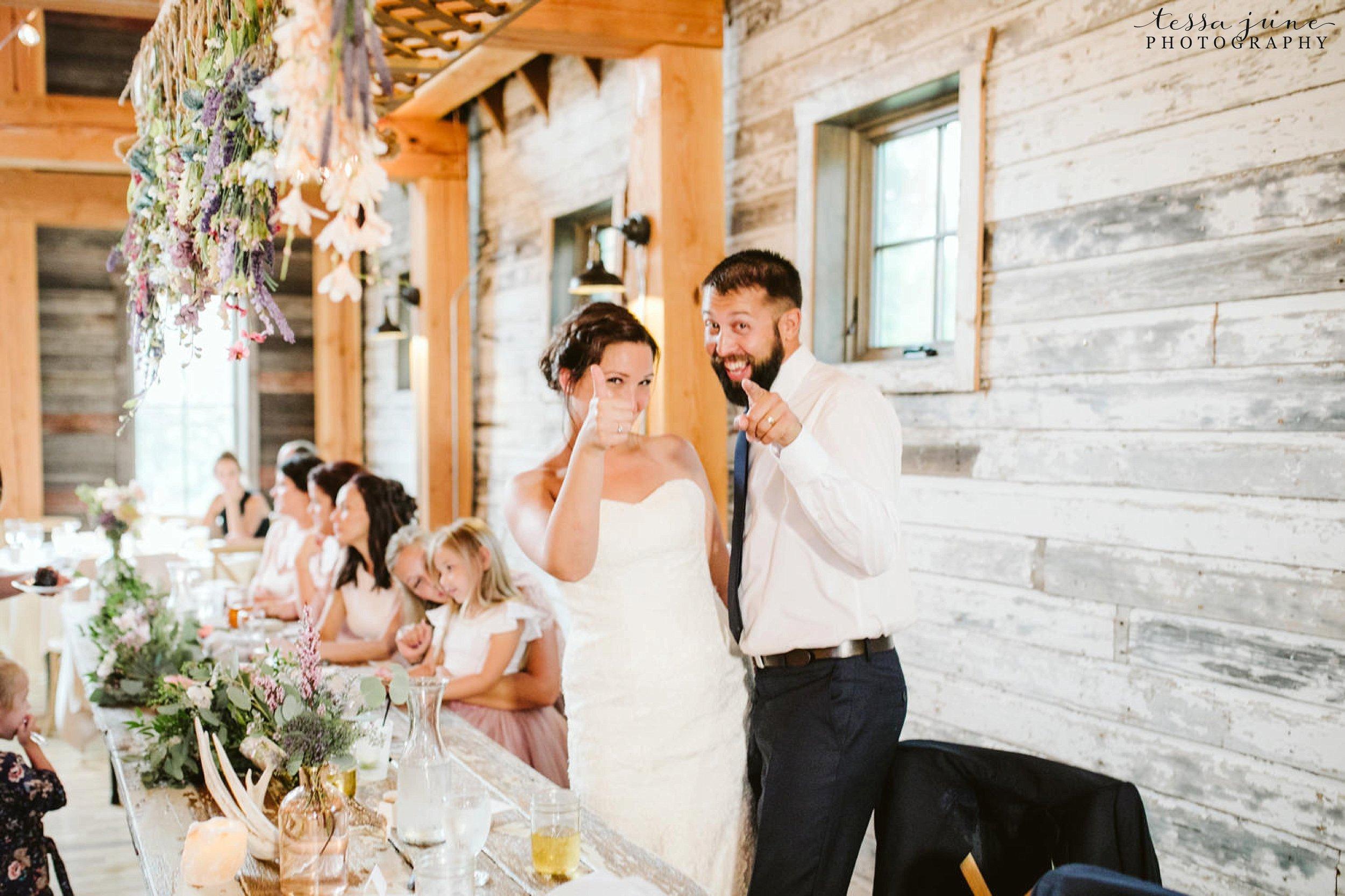 gathered-oaks-barn-wedding-alexandria-minnesota-184.jpg