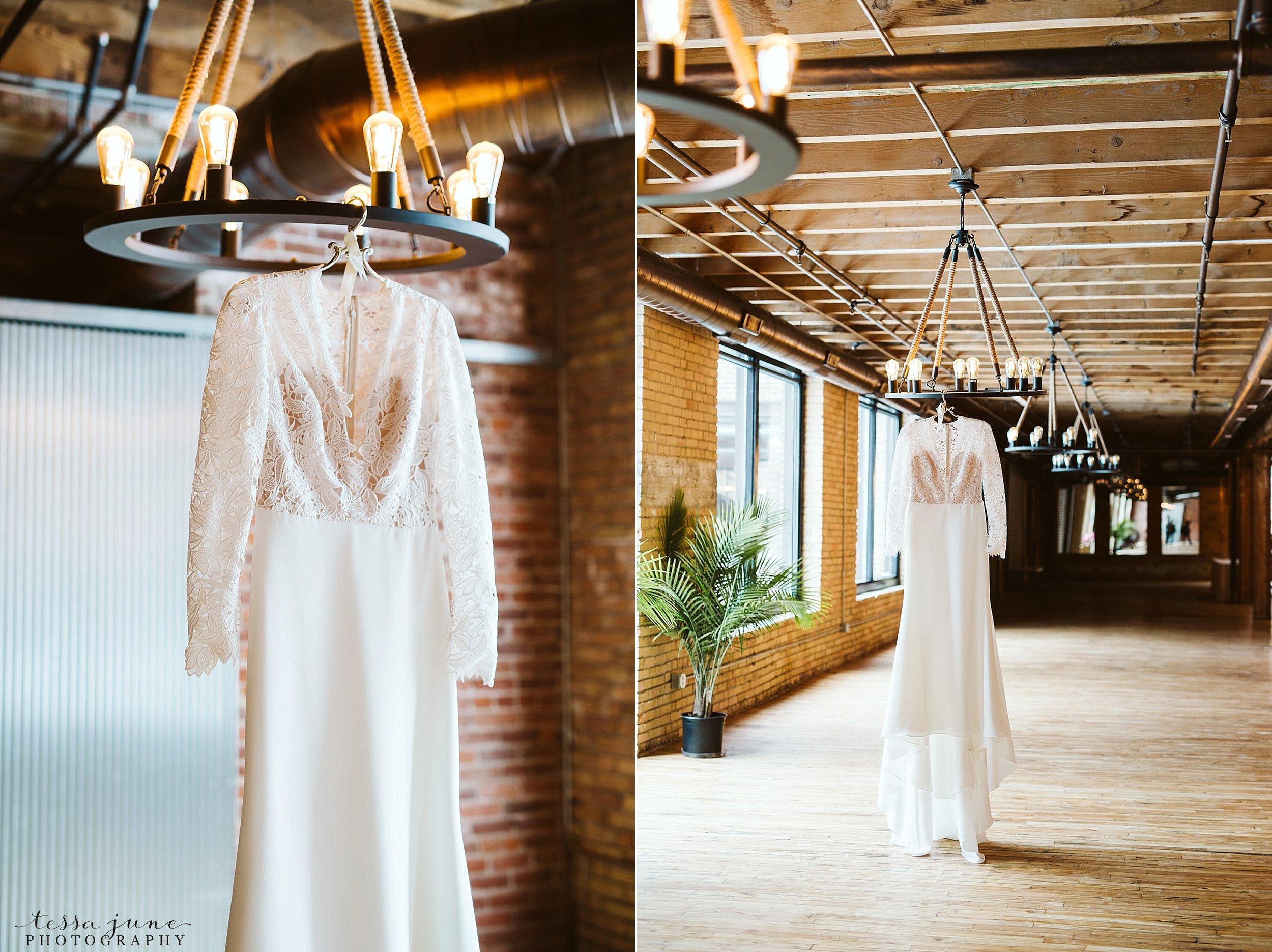 minneapolis-event-center-winter-romantic-snow-wedding-december-32.jpg