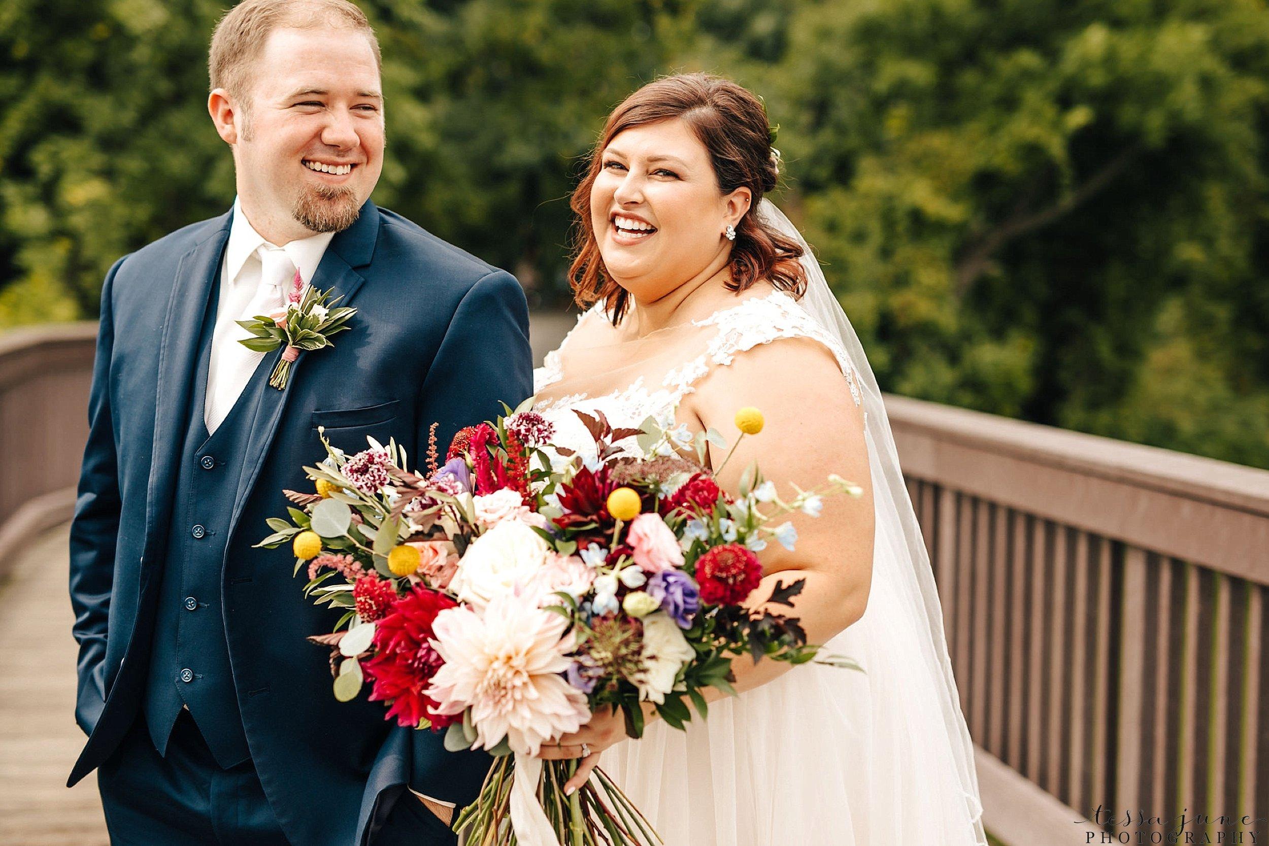 minneapolis-summer-wedding-at-silverwood-park-pristine-floral-47.jpg