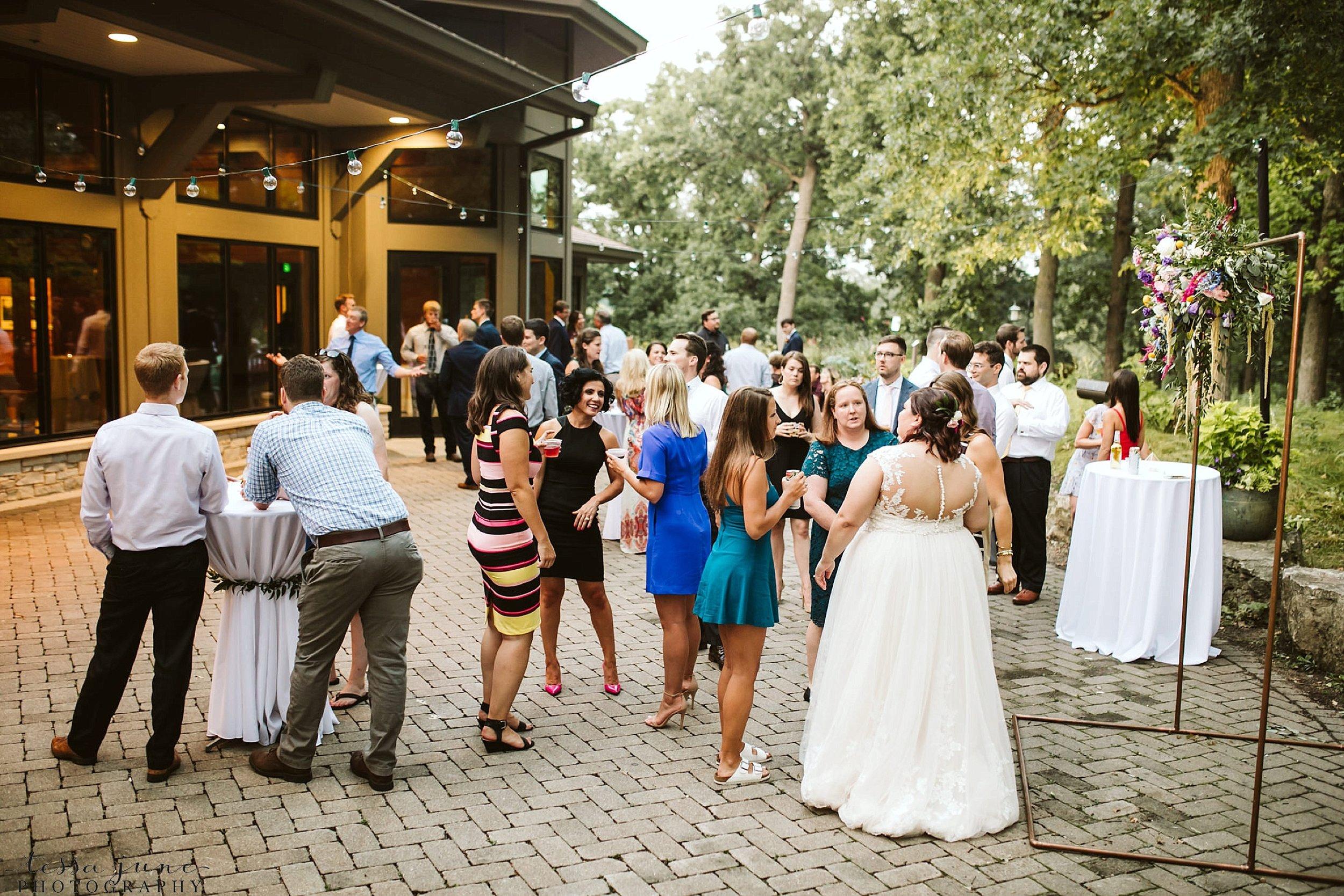 minneapolis-summer-wedding-at-silverwood-park-pristine-floral-142.jpg