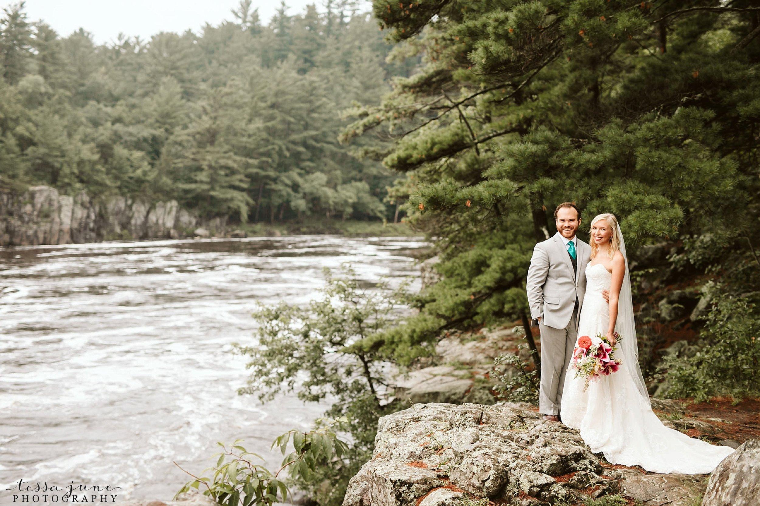 taylors-falls-rainy-elopement-wedding-interstate-state-park-1.jpg