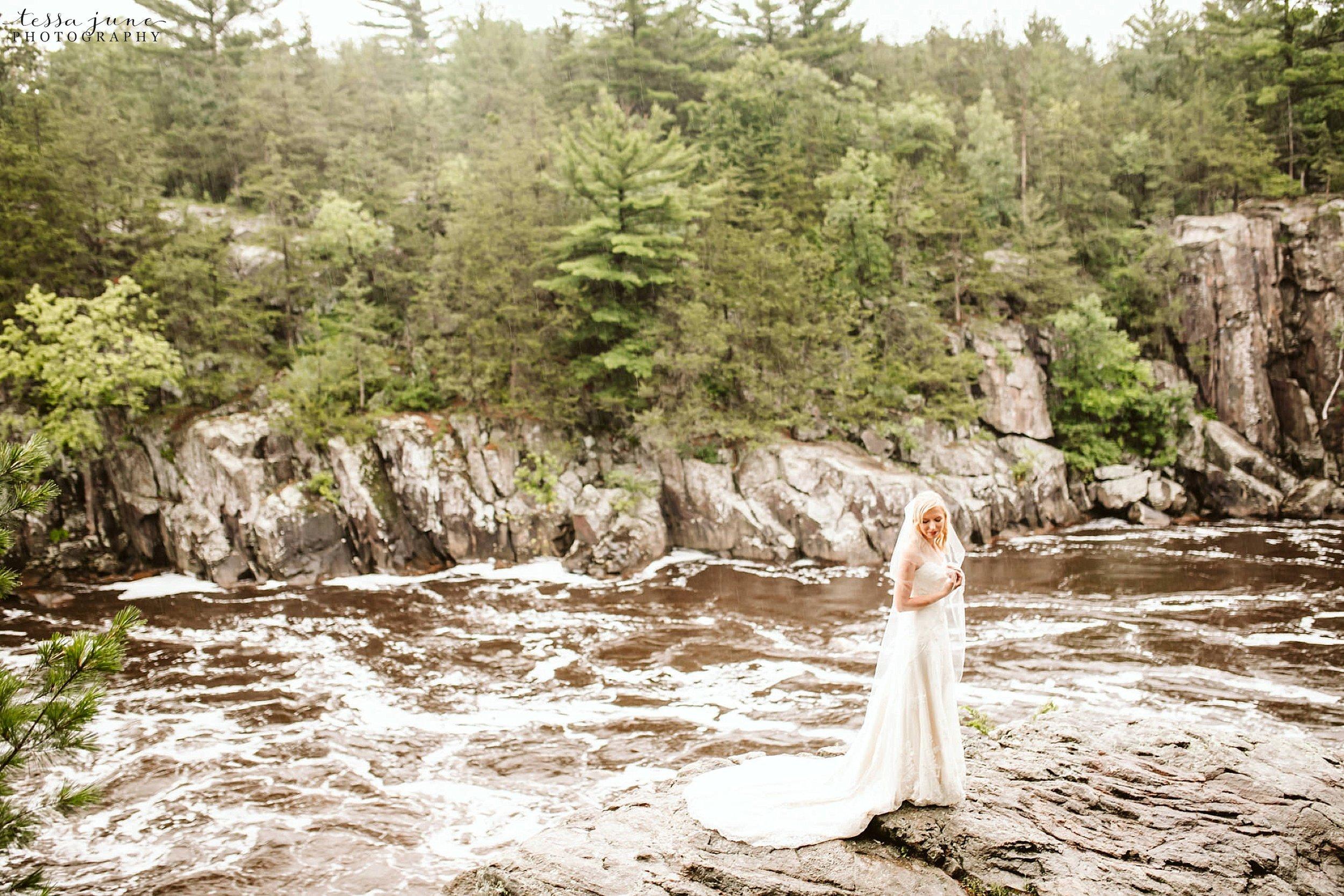 taylors-falls-rainy-elopement-wedding-interstate-state-park-12.jpg
