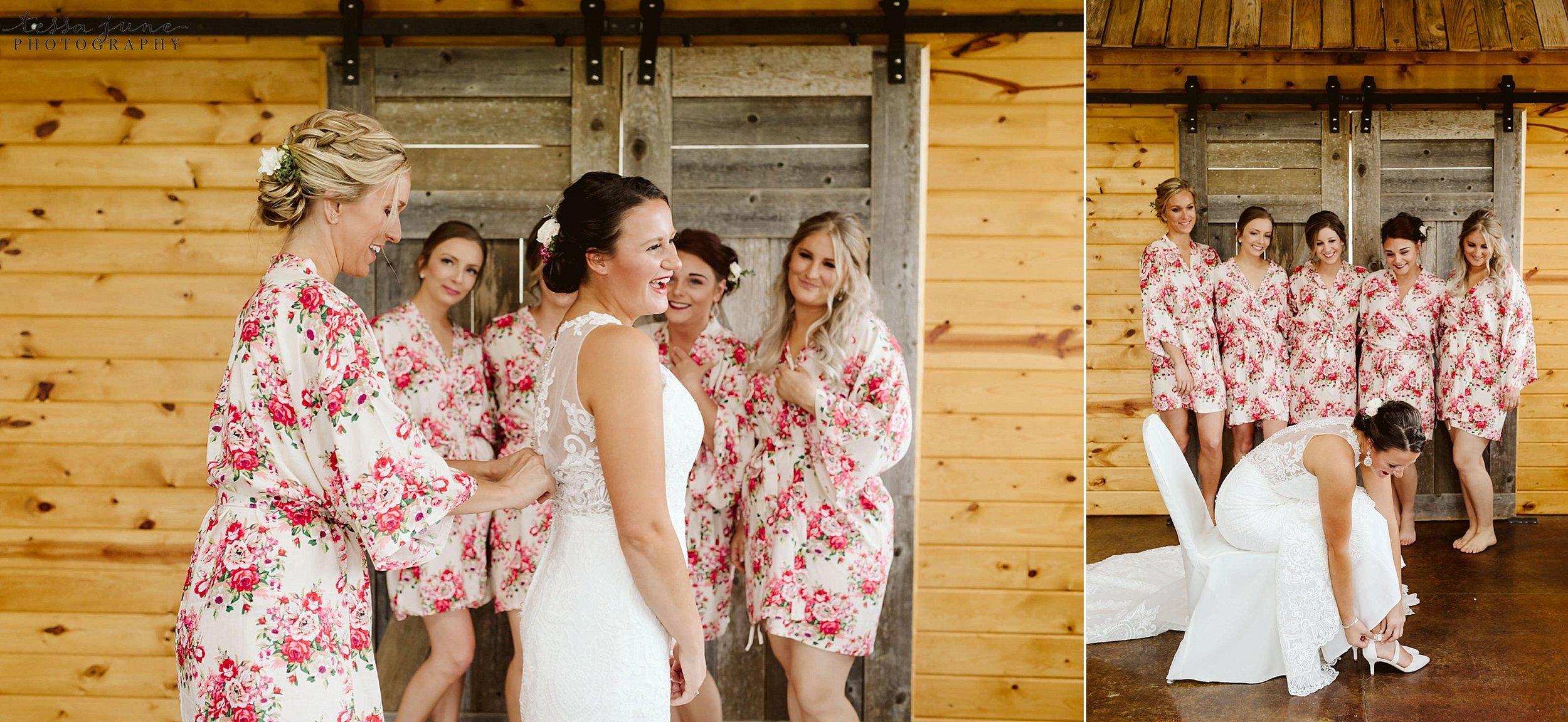 The-grands-at-mulligans-wedding-sartell-minnesota-spring-floral-spring-garden-wedding-31.jpg