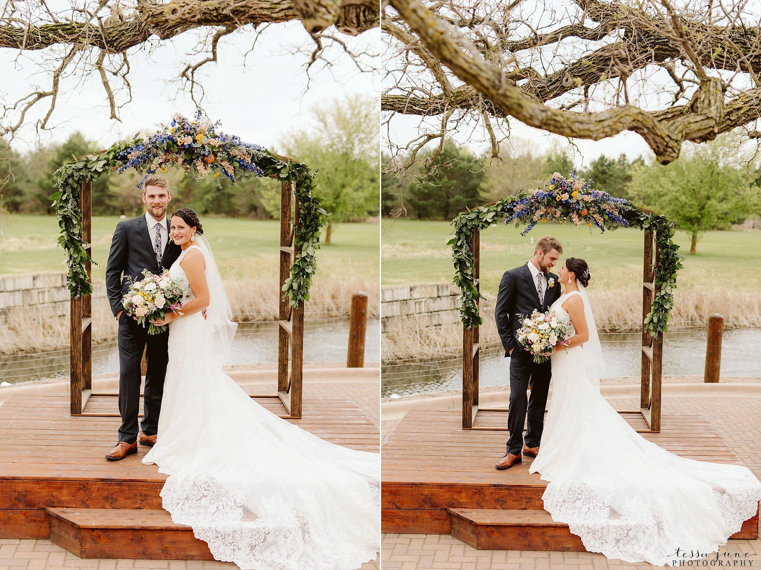 The-grands-at-mulligans-wedding-sartell-minnesota-spring-floral-spring-garden-wedding-43.jpg