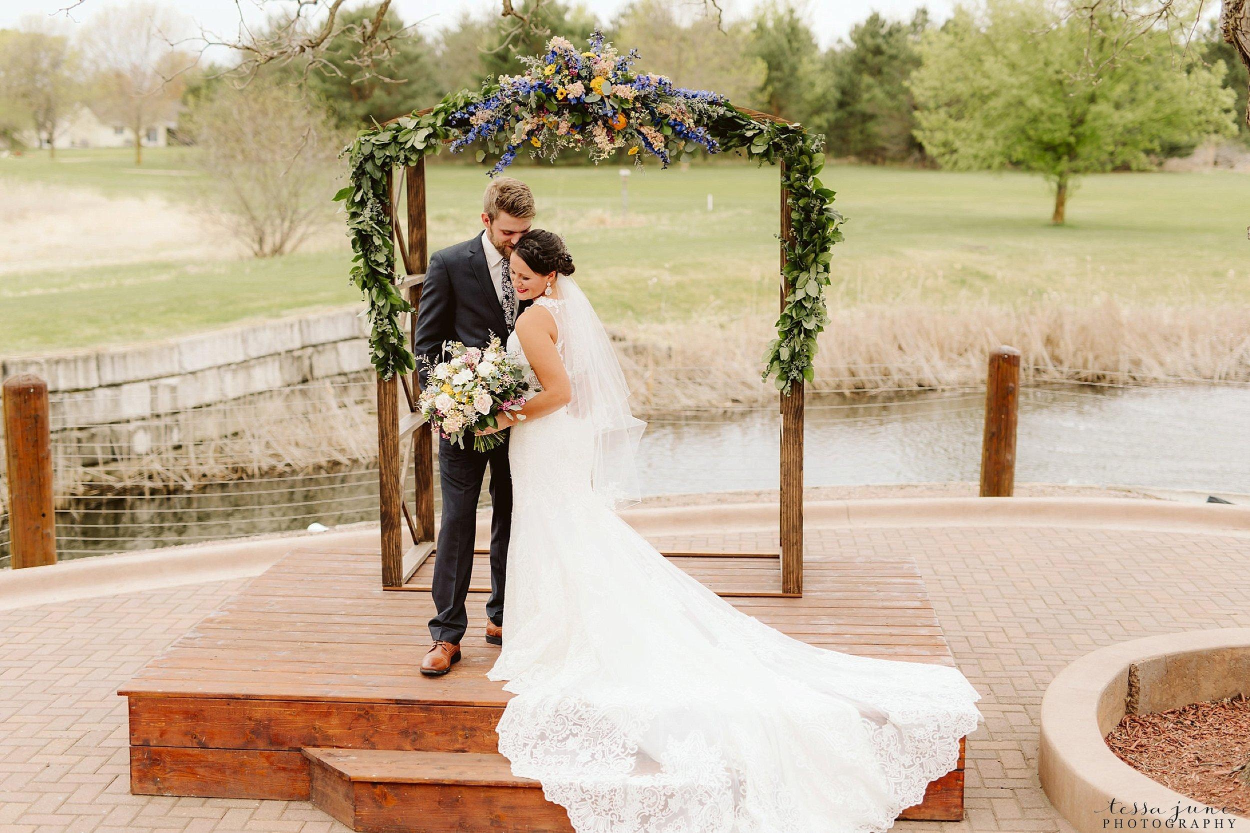 The-grands-at-mulligans-wedding-sartell-minnesota-spring-floral-spring-garden-wedding-46.jpg