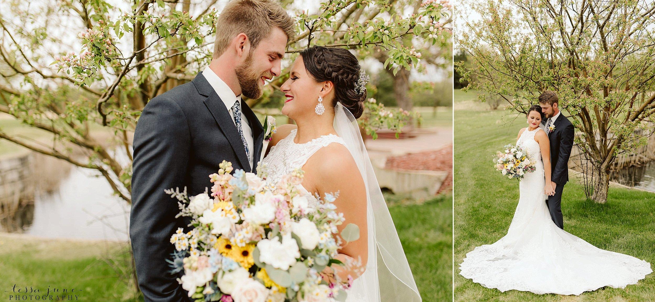 The-grands-at-mulligans-wedding-sartell-minnesota-spring-floral-spring-garden-wedding-52.jpg