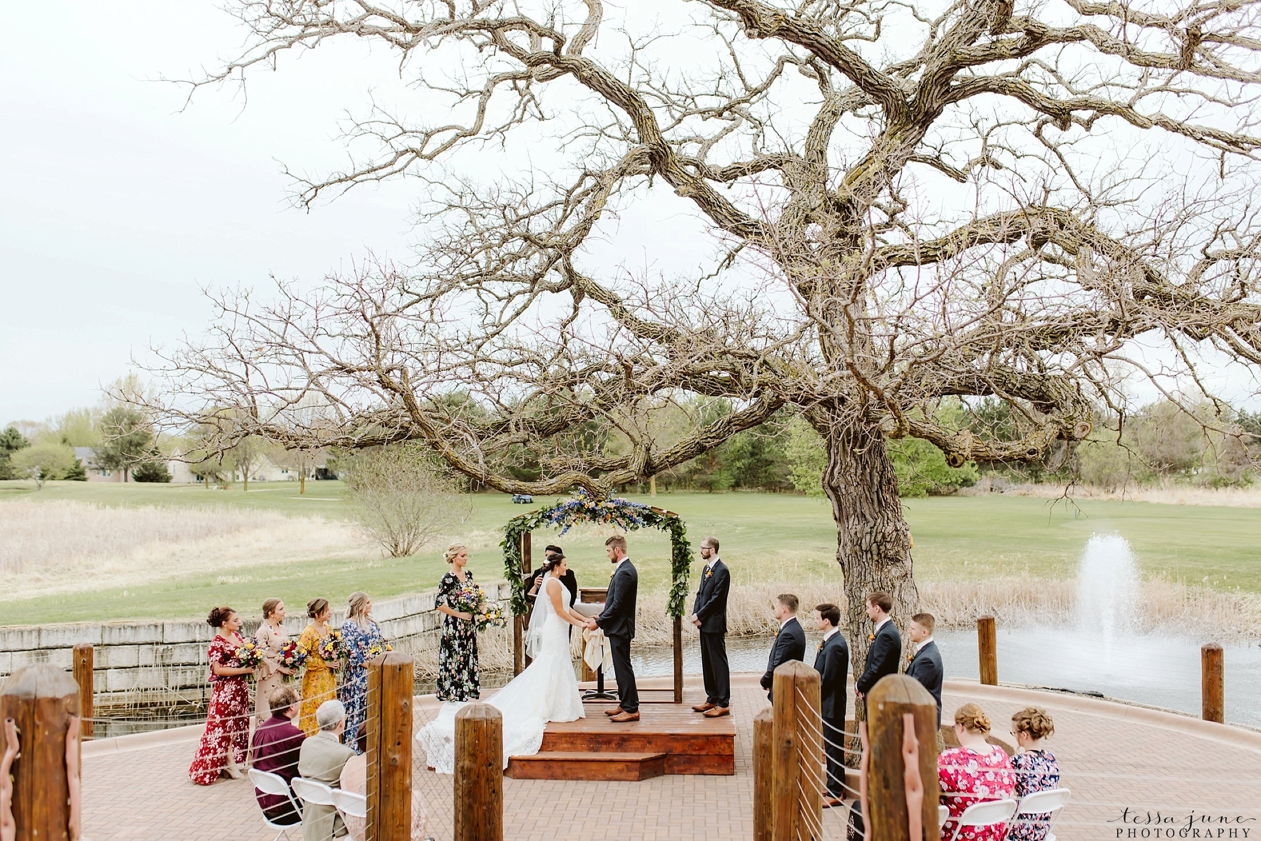 The-grands-at-mulligans-wedding-sartell-minnesota-spring-floral-spring-garden-wedding-90.jpg