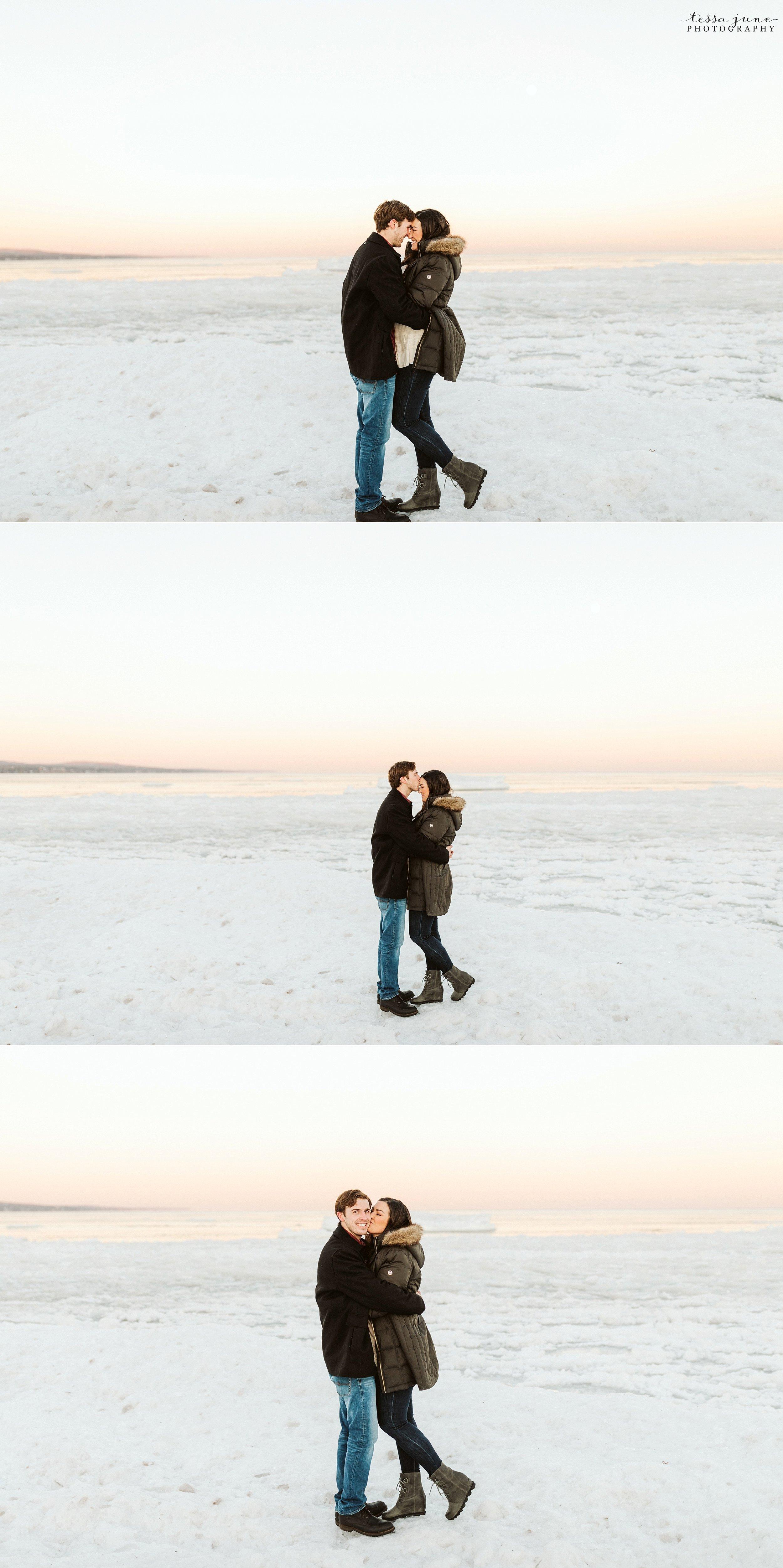 winter-duluth-engagement-at-park-pointe-snow-aly-alex-43.jpg