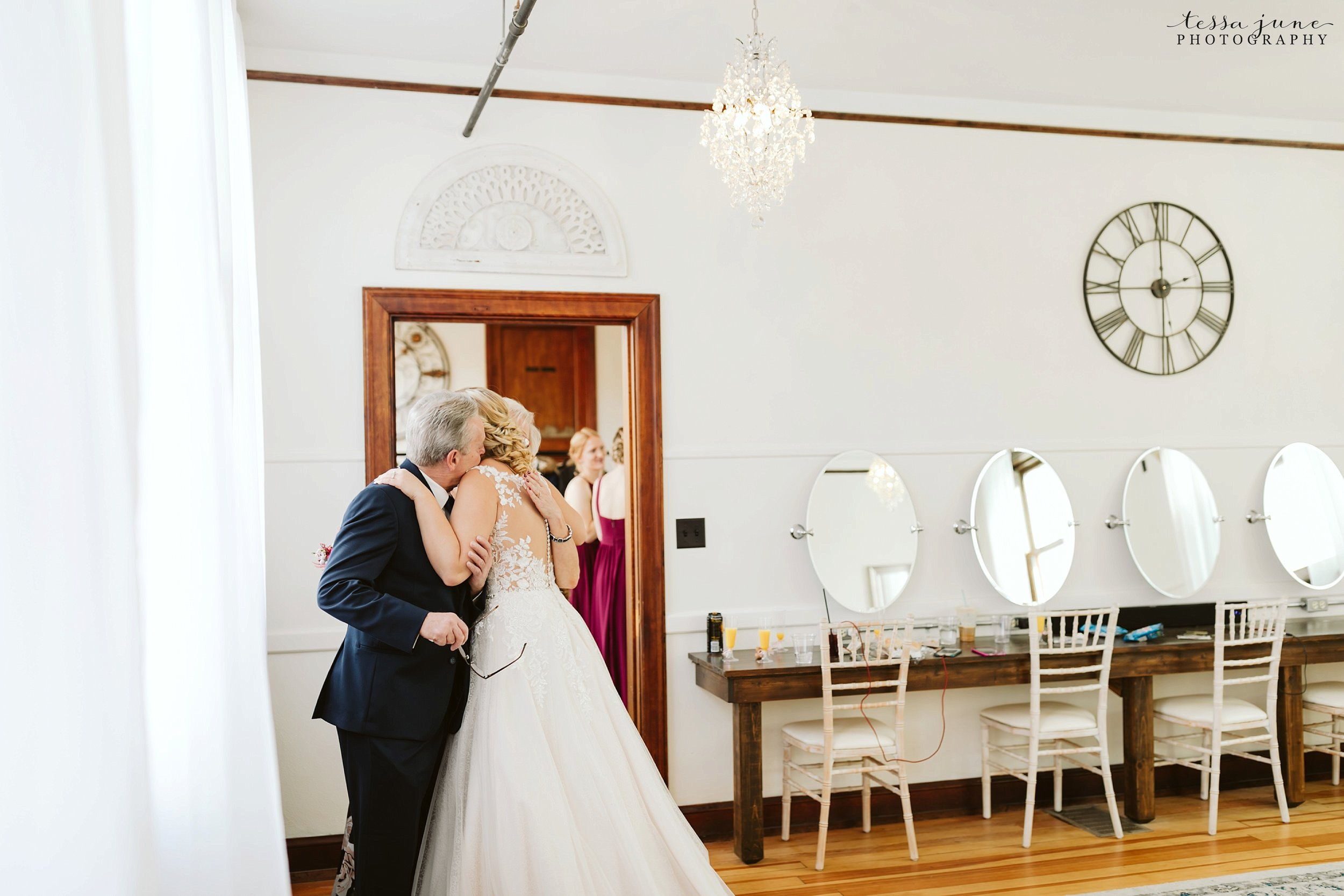 the-3-ten-event-venue-november-elegant-cozy-wedding-faribault-minnesota-37.jpg