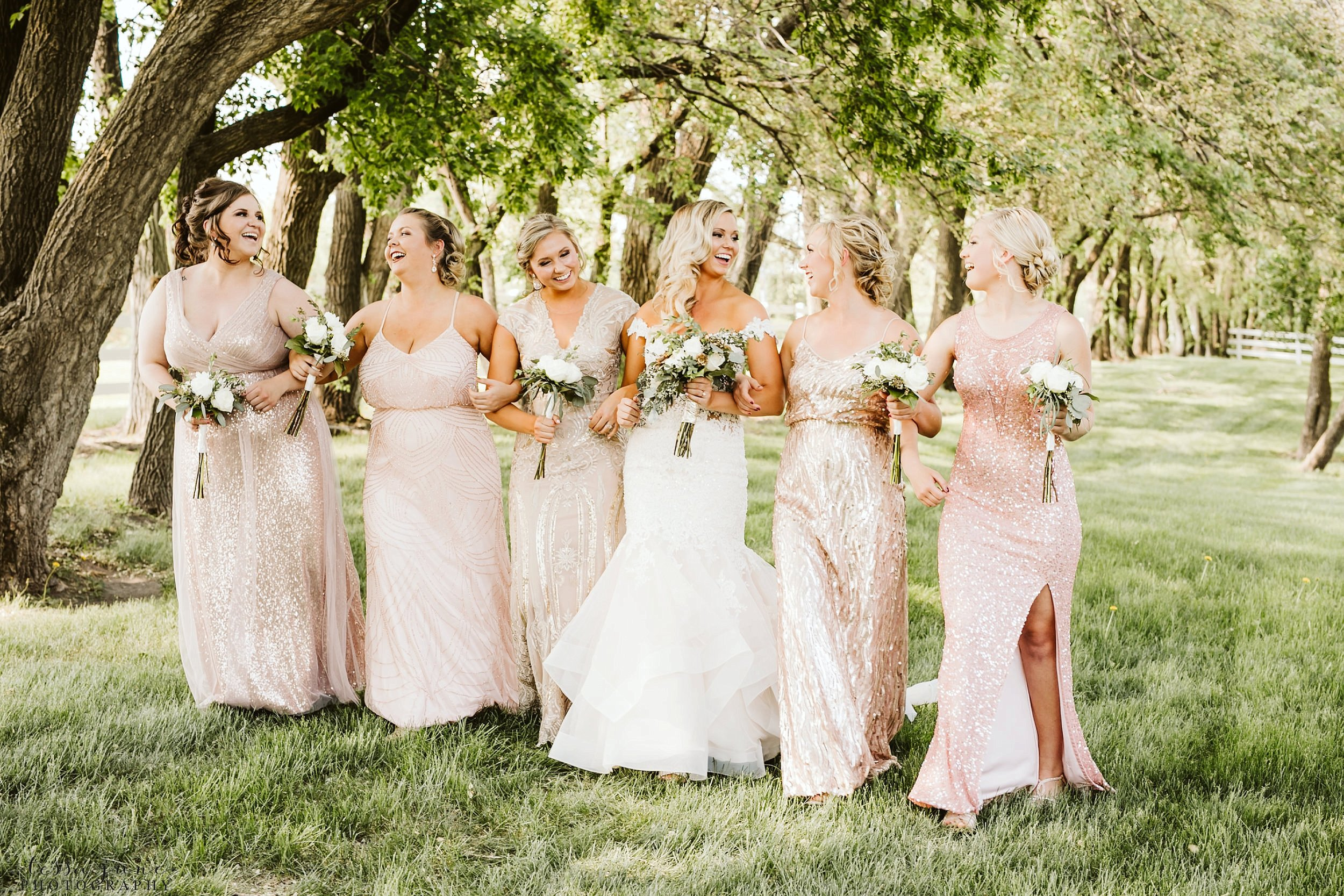 carlos-creek-winery-wedding-alexandria-minnesota-glam-elegant-floral-54.jpg