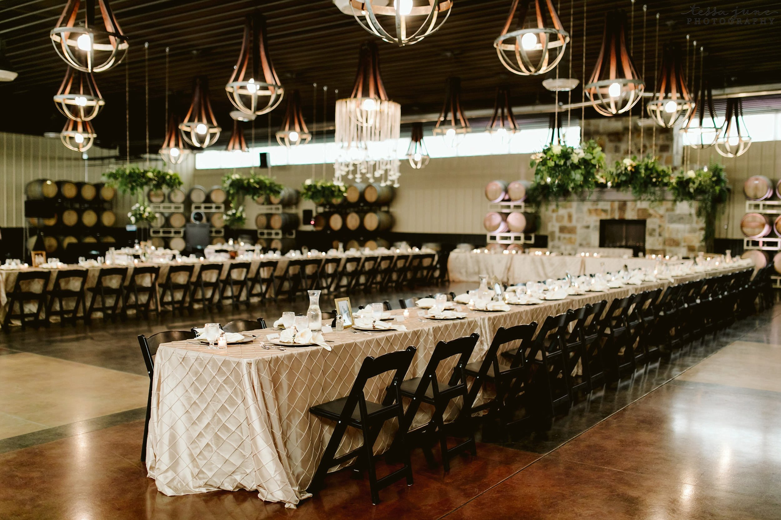 carlos-creek-winery-wedding-alexandria-minnesota-glam-elegant-floral-69.jpg