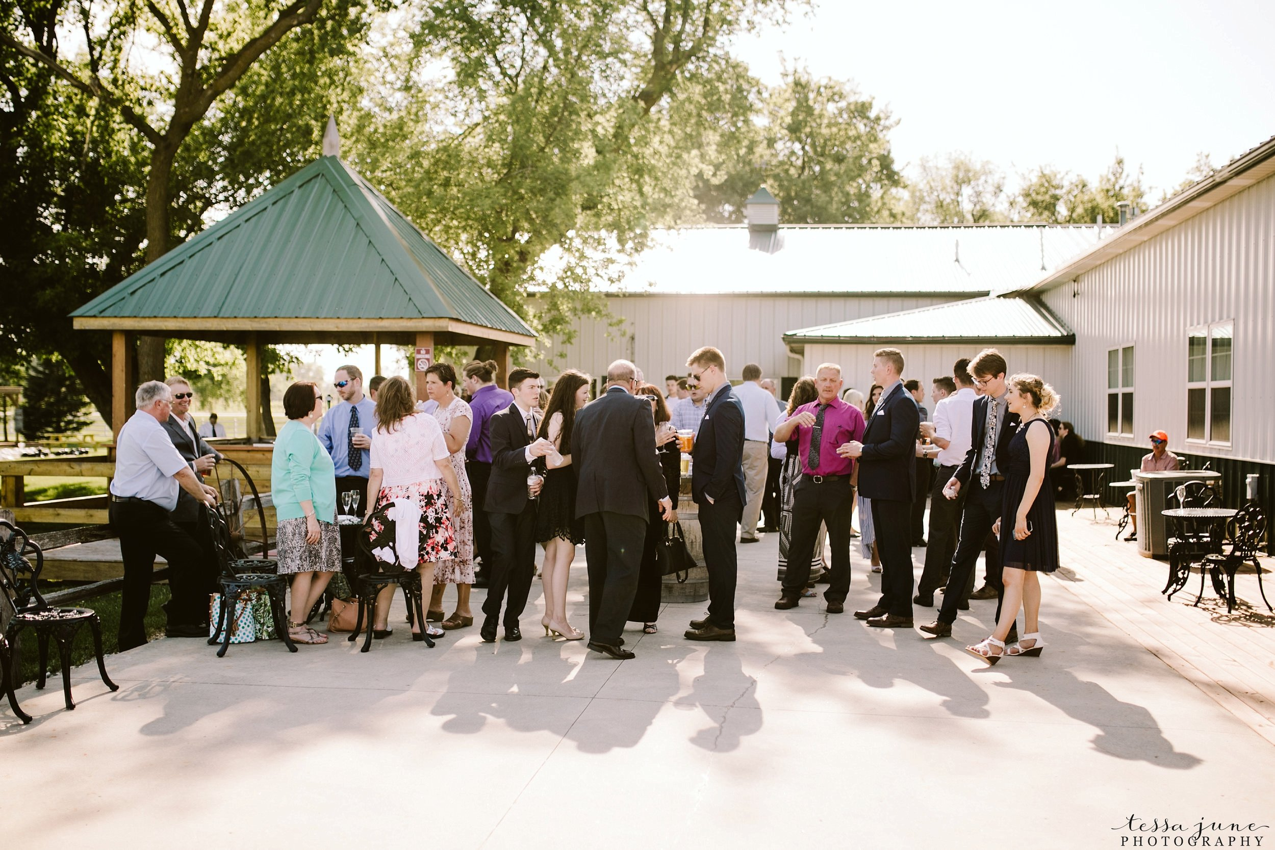 carlos-creek-winery-wedding-alexandria-minnesota-glam-elegant-floral-87.jpg