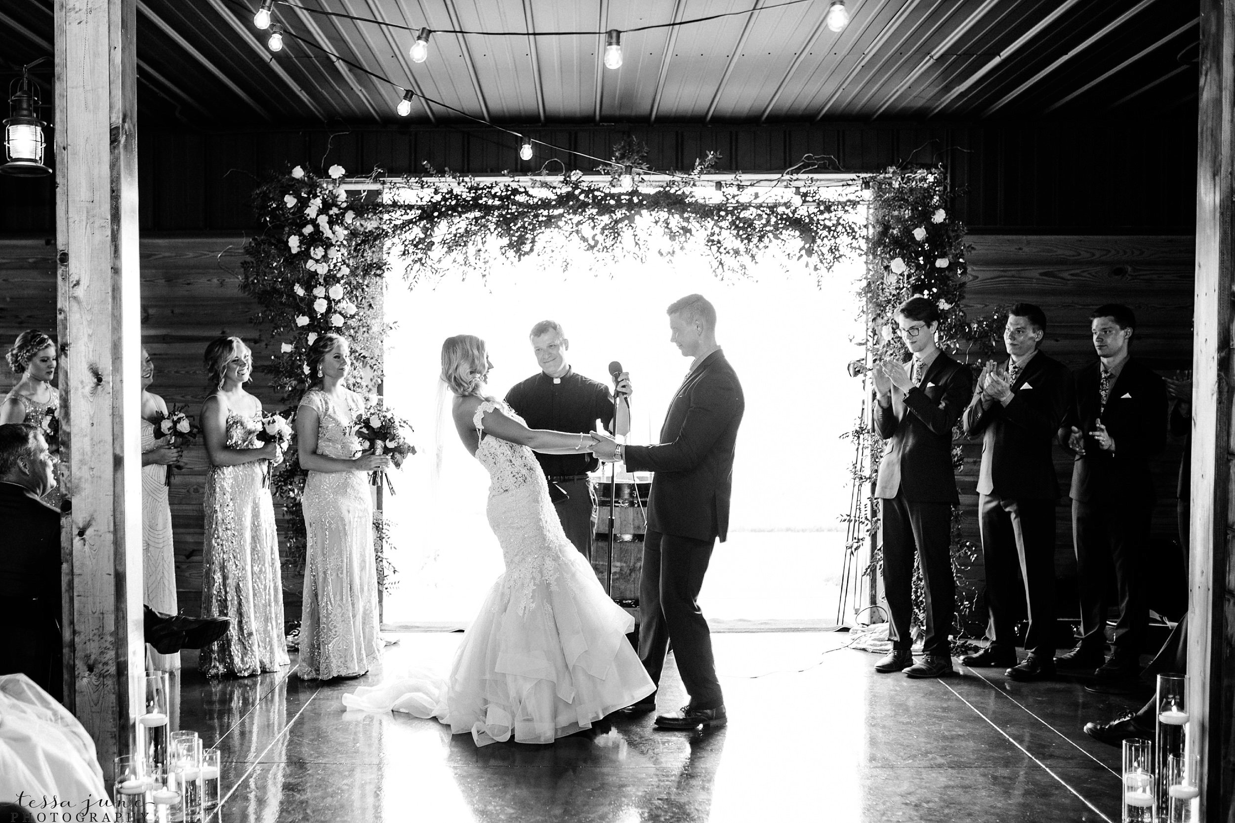 carlos-creek-winery-wedding-alexandria-minnesota-glam-elegant-floral-112.jpg