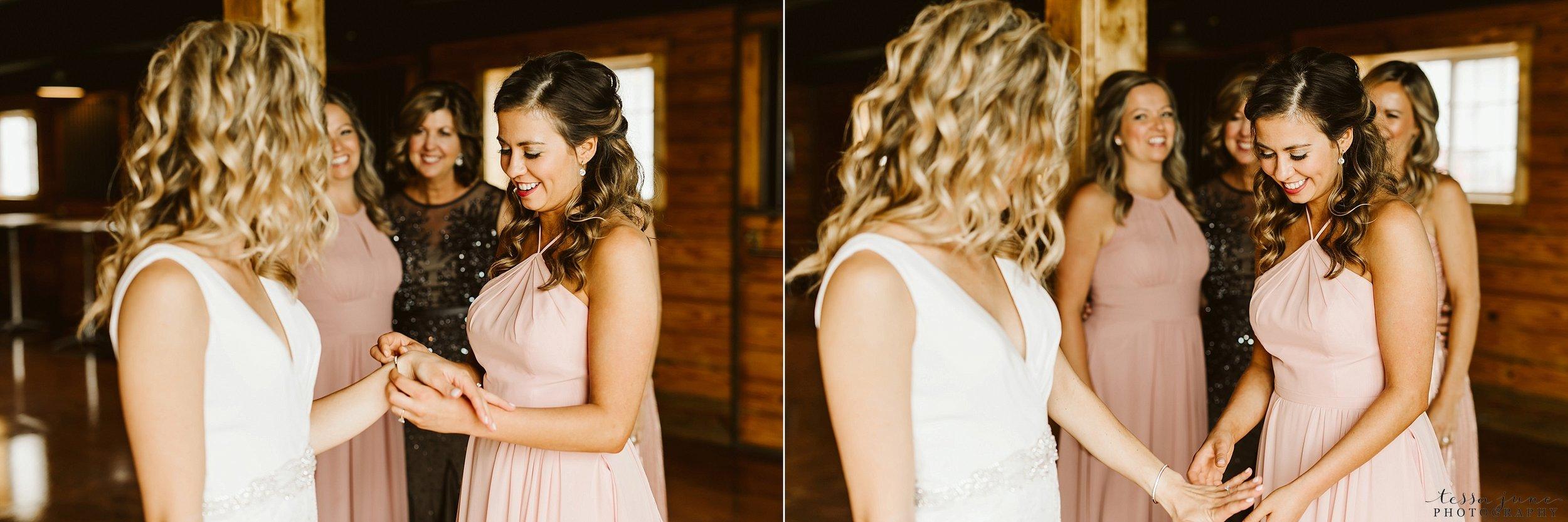 carlos-creek-winery-wedding-summer-pristine-floral-blush-pink-navy-alexandria-minnesota-31.jpg
