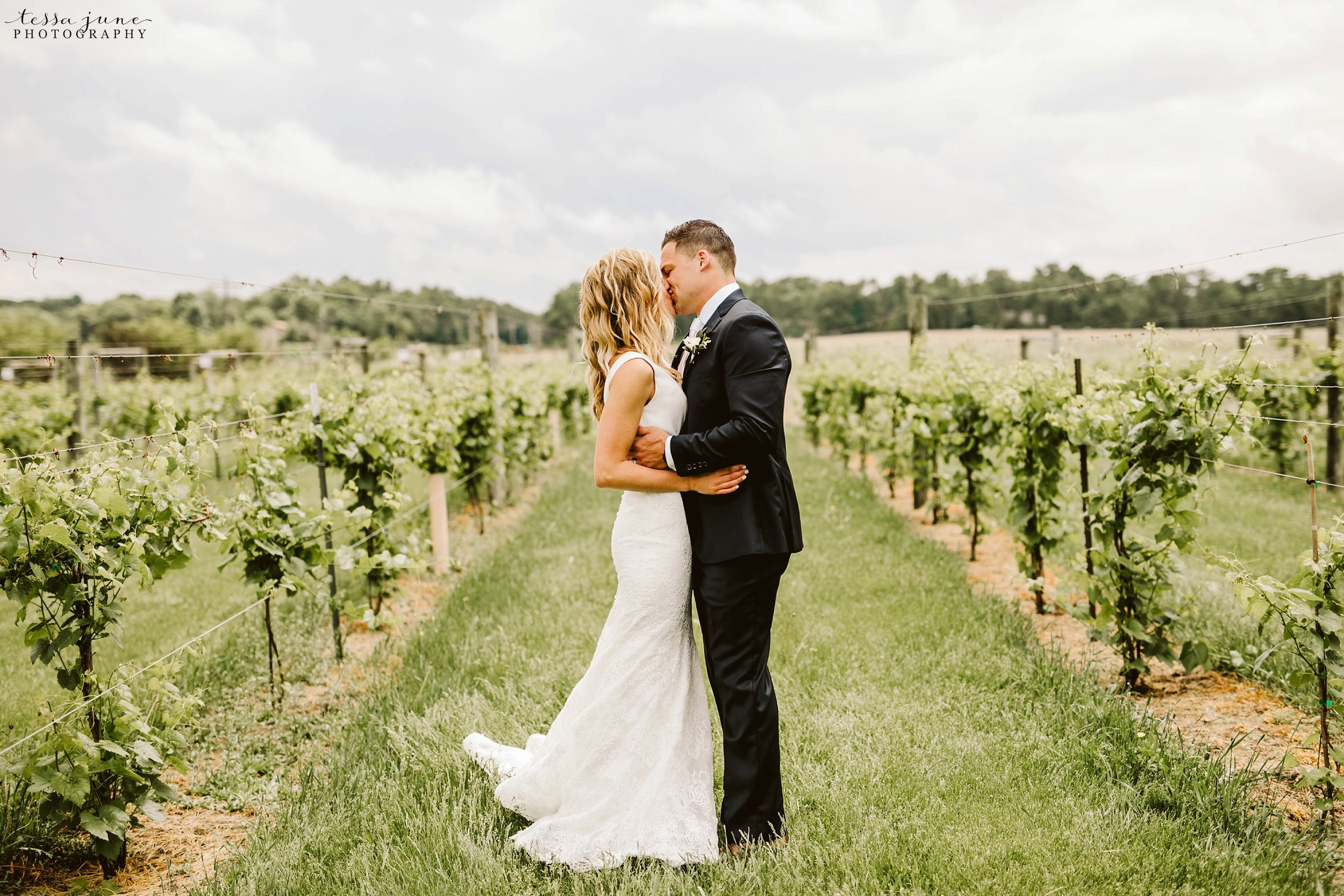 carlos-creek-winery-wedding-summer-pristine-floral-blush-pink-navy-alexandria-minnesota-73.jpg