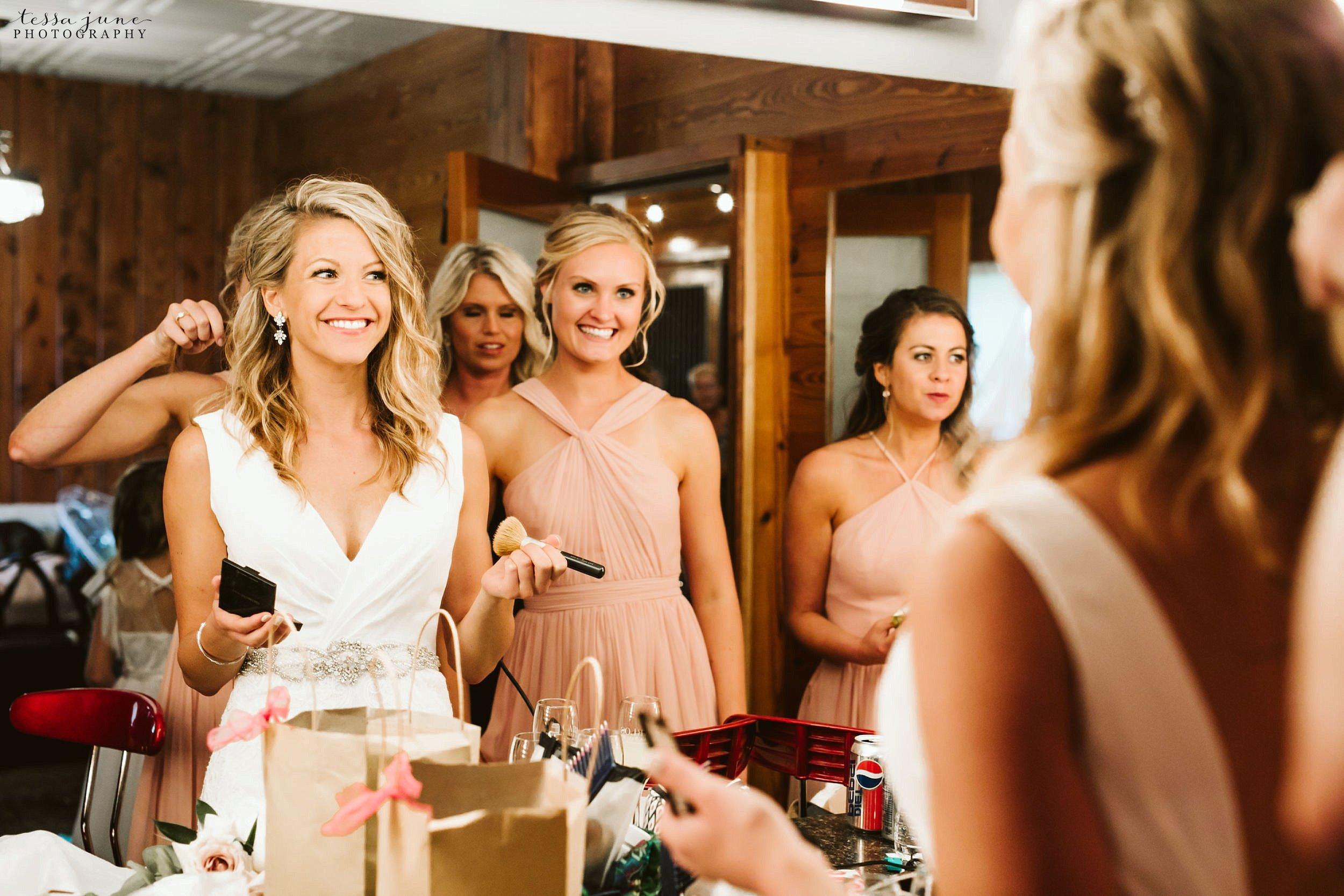 carlos-creek-winery-wedding-summer-pristine-floral-blush-pink-navy-alexandria-minnesota-90.jpg