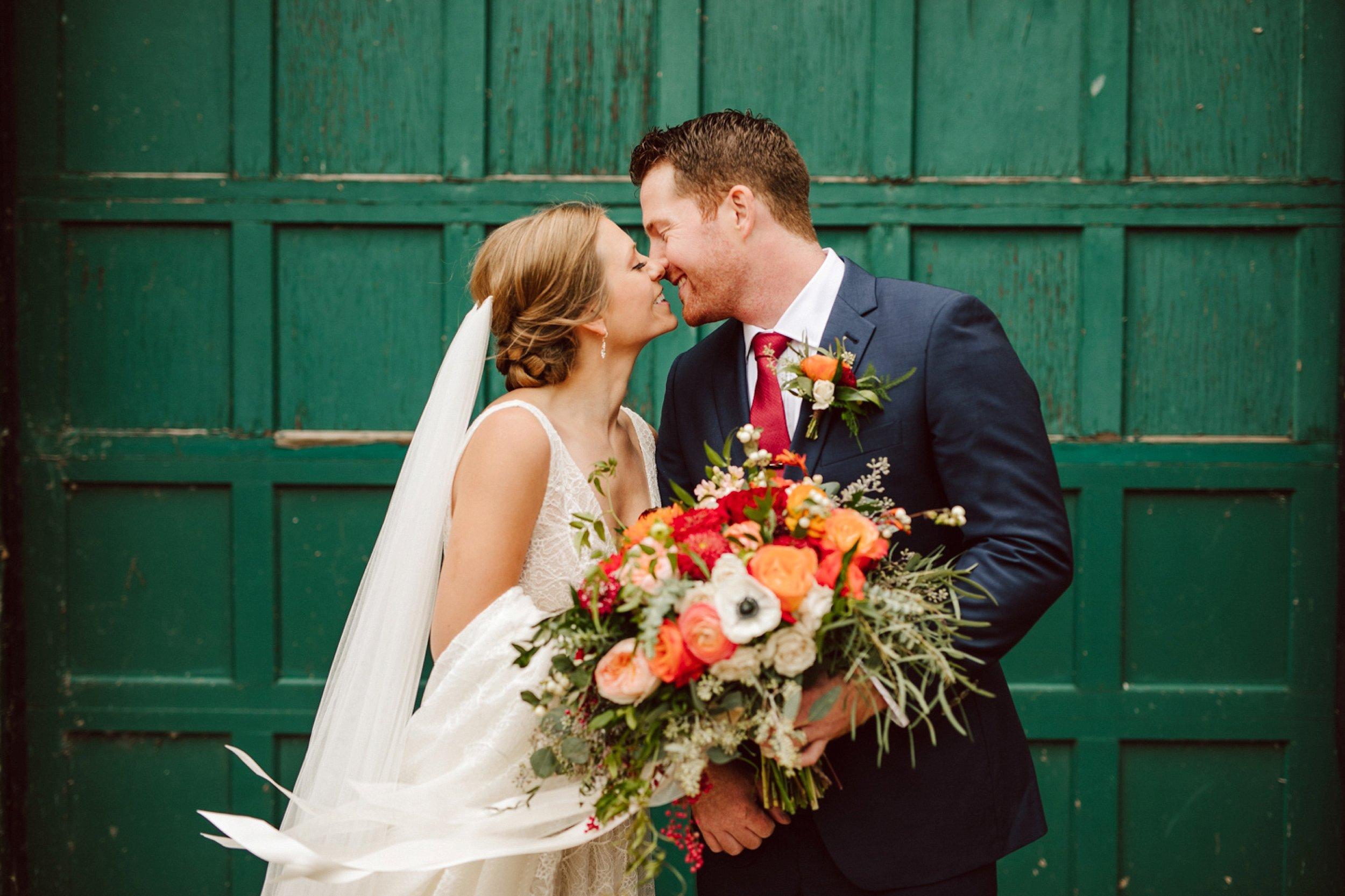 Nicollet-Island-Pavilion-Minneapolis-September-Coral-Navy-Wedding-50.jpg