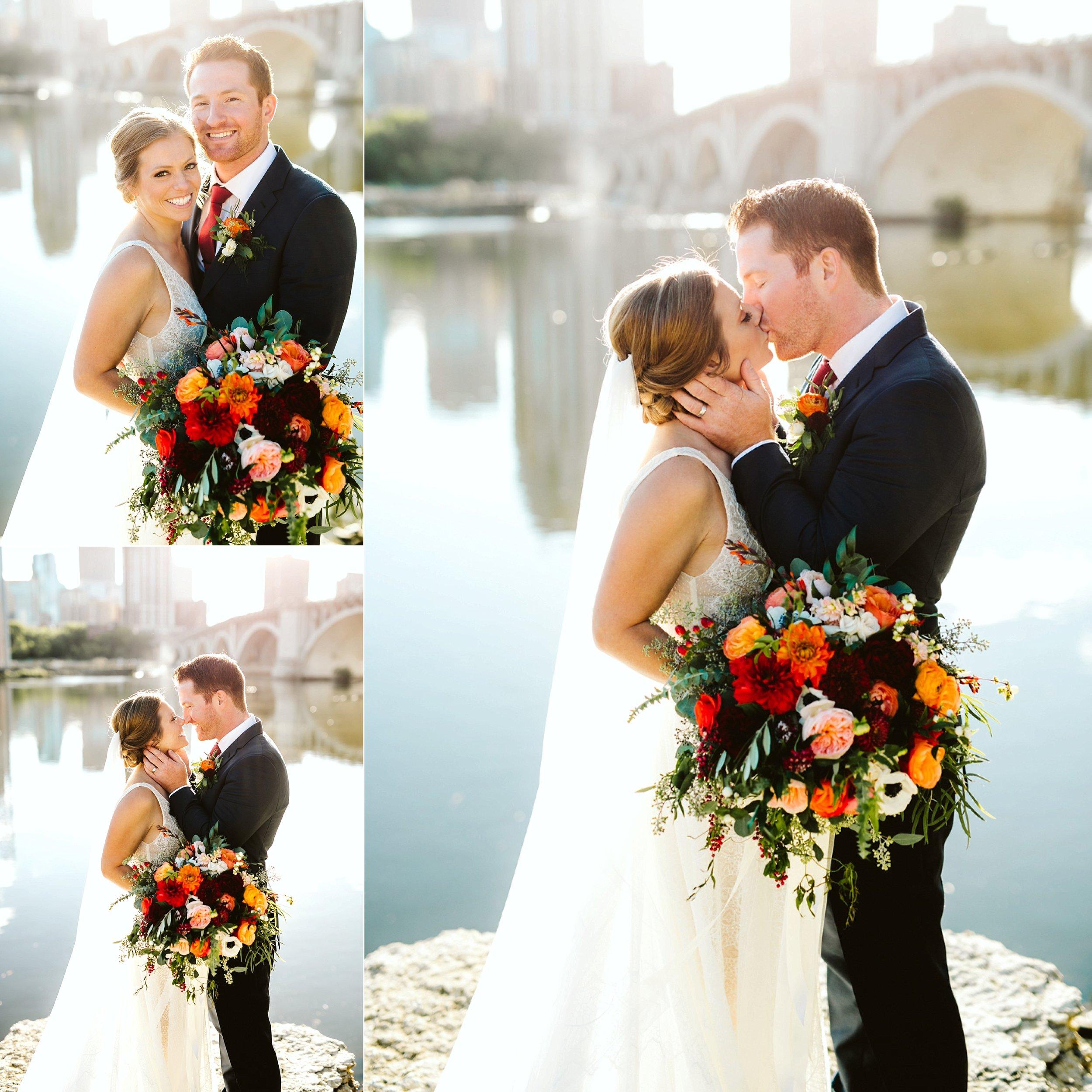 Nicollet-Island-Pavilion-Minneapolis-September-Coral-Navy-Wedding-70.jpg