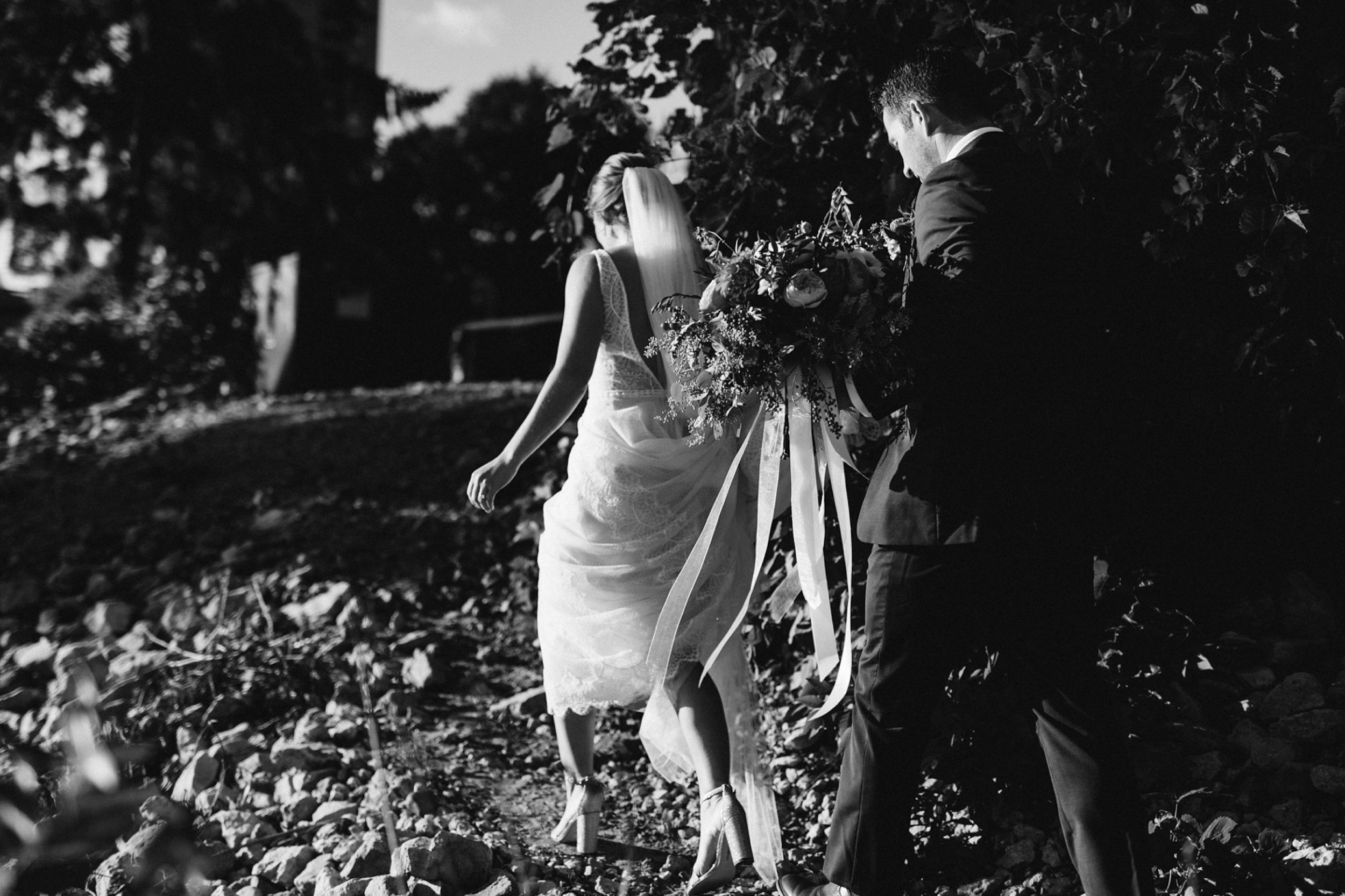 Nicollet-Island-Pavilion-Minneapolis-September-Coral-Navy-Wedding-74.jpg