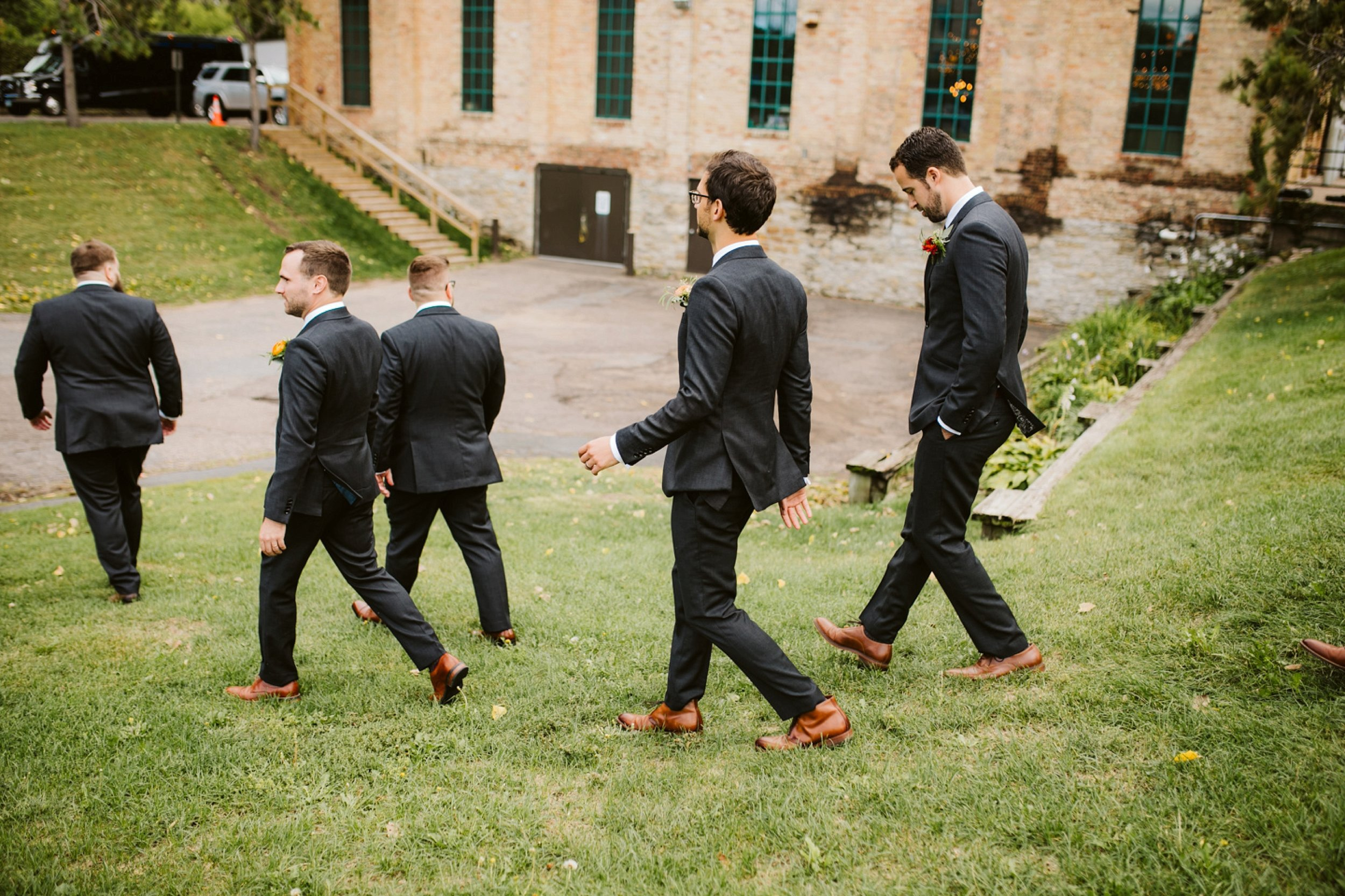 Nicollet-Island-Pavilion-Minneapolis-September-Coral-Navy-Wedding-75.jpg