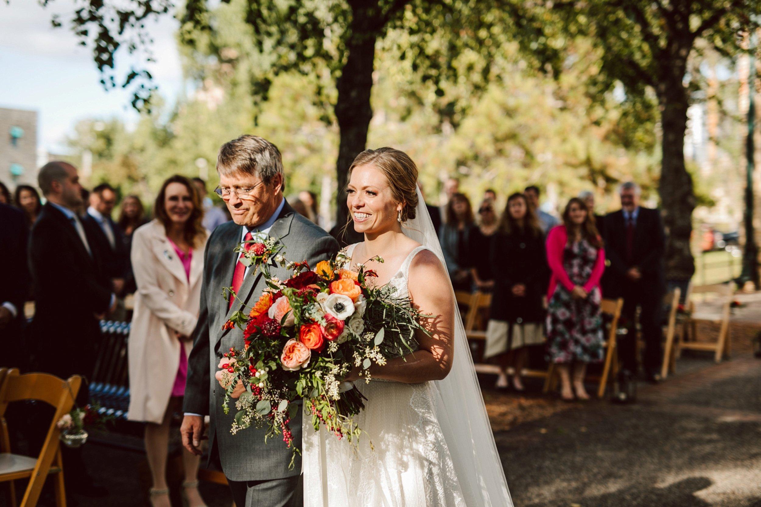 Nicollet-Island-Pavilion-Minneapolis-September-Coral-Navy-Wedding-99.jpg
