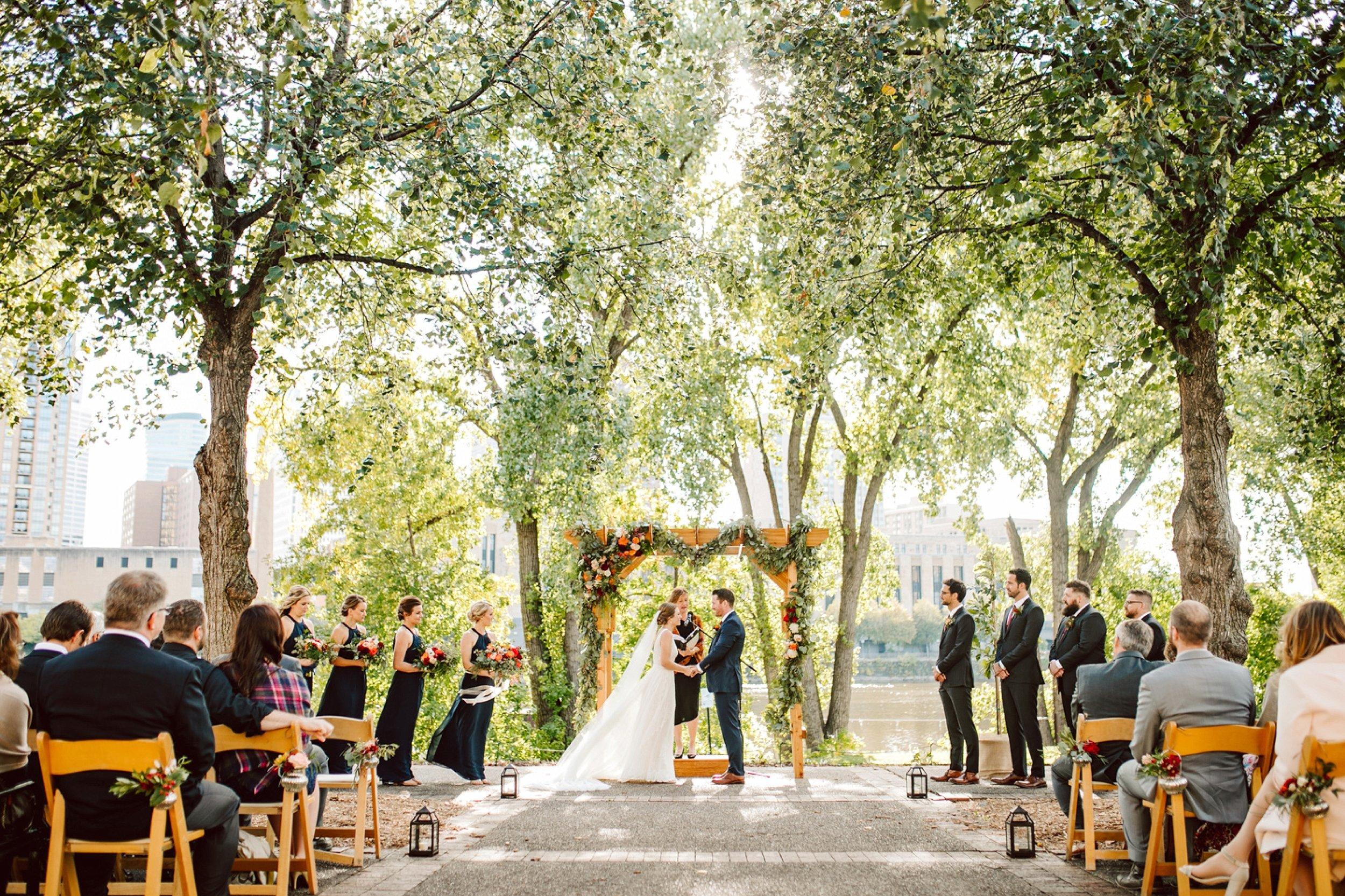Nicollet-Island-Pavilion-Minneapolis-September-Coral-Navy-Wedding-105.jpg