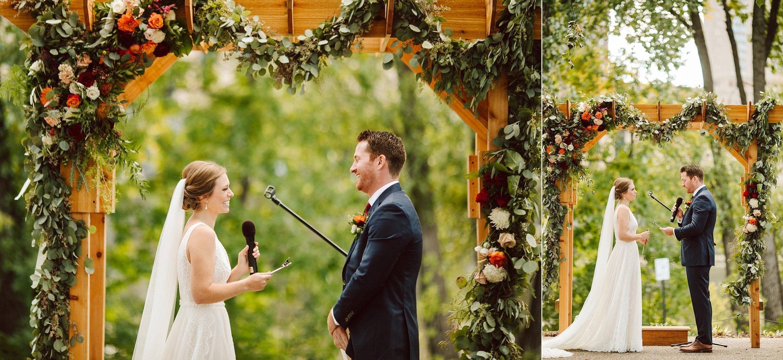 Nicollet-Island-Pavilion-Minneapolis-September-Coral-Navy-Wedding-110.jpg