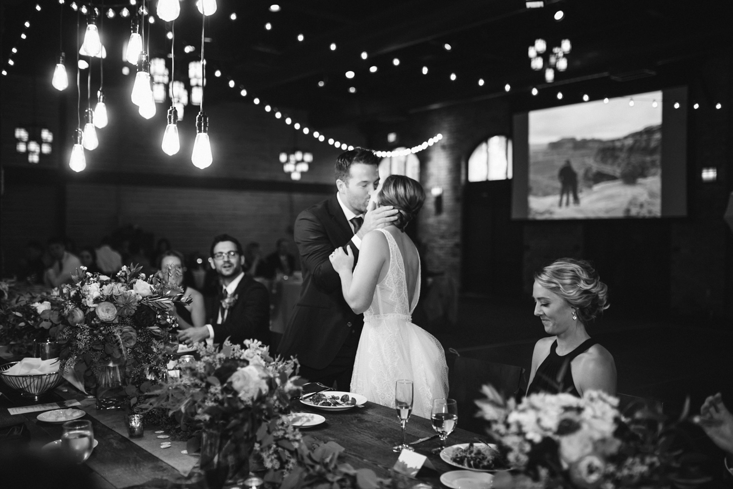 Nicollet-Island-Pavilion-Minneapolis-September-Coral-Navy-Wedding-144.jpg
